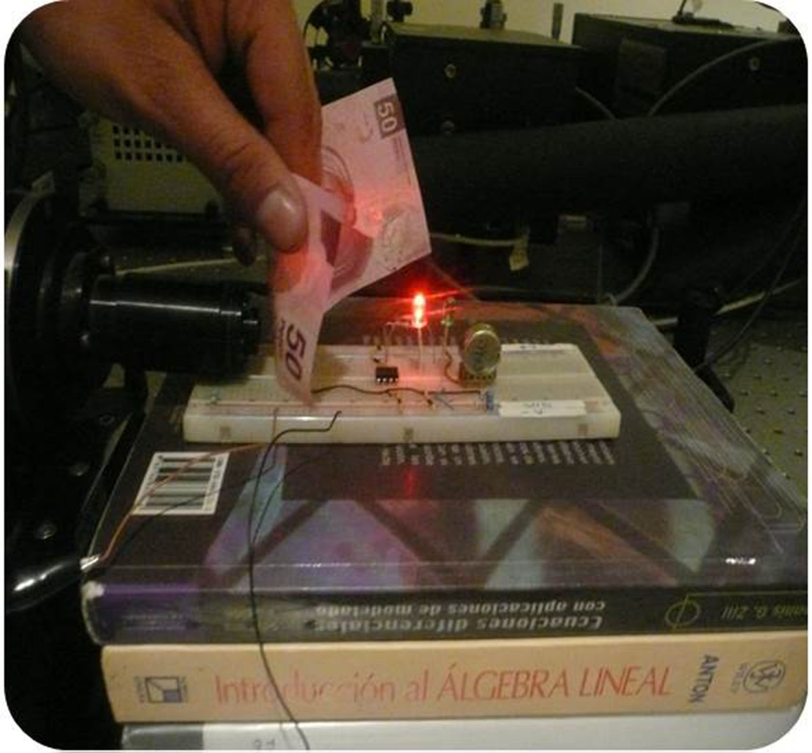 Luz infrarroja para evitar falsificación de billetes