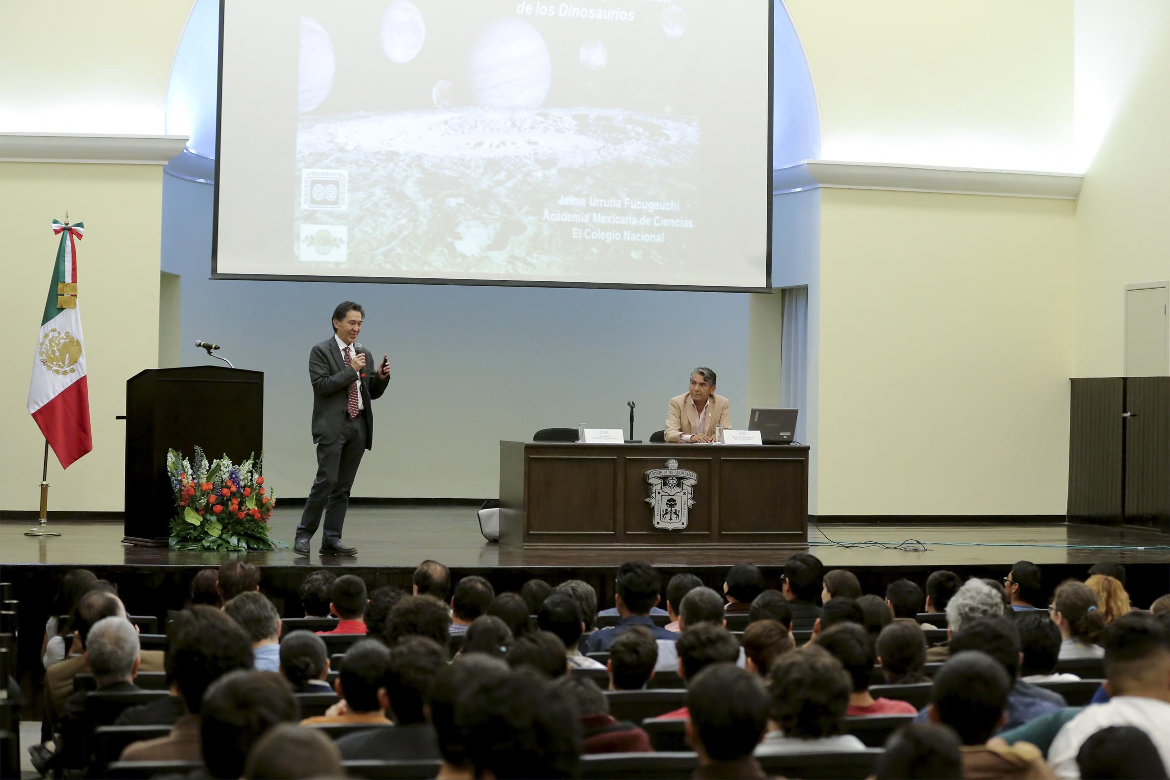 Conferencia magistral impartida por el Dr. Jaime Urrutia Fucugauchi
