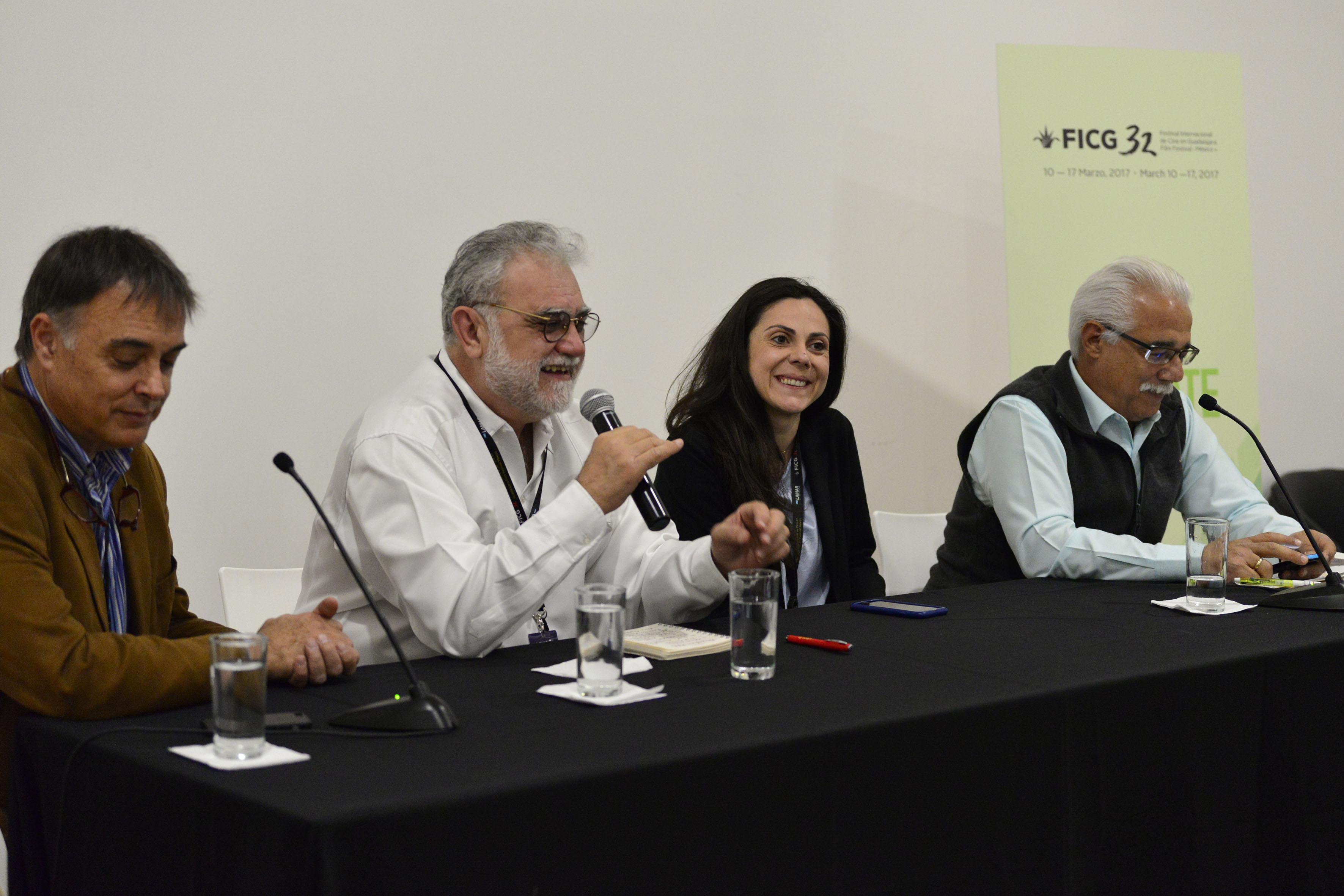Director general del FICG, biólogo Iván Trujillo Bolio en rueda de prensa anunciando  la creación de un diplomado en Producción Fílmica Sustentable, durante el inicio de las actividades de Film4Climate
