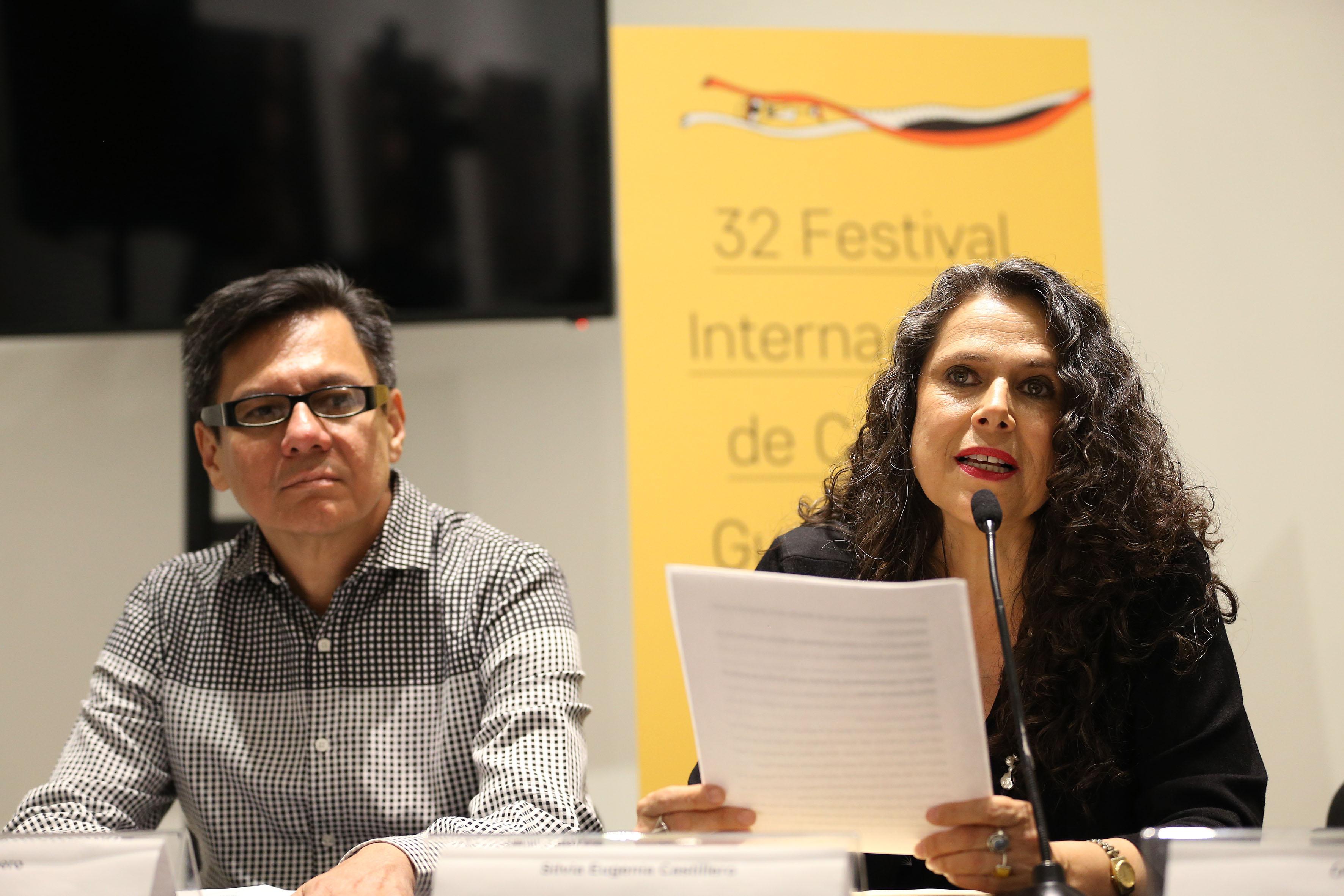 Silvia Eugenia Castillero, directora de la publicación en la presentación numero 86 de la revista literaria de la Universidad de Guadalajara (UdeG), en el marco del 32 Festival Internacional de Cine en Guadalajara (FICG)