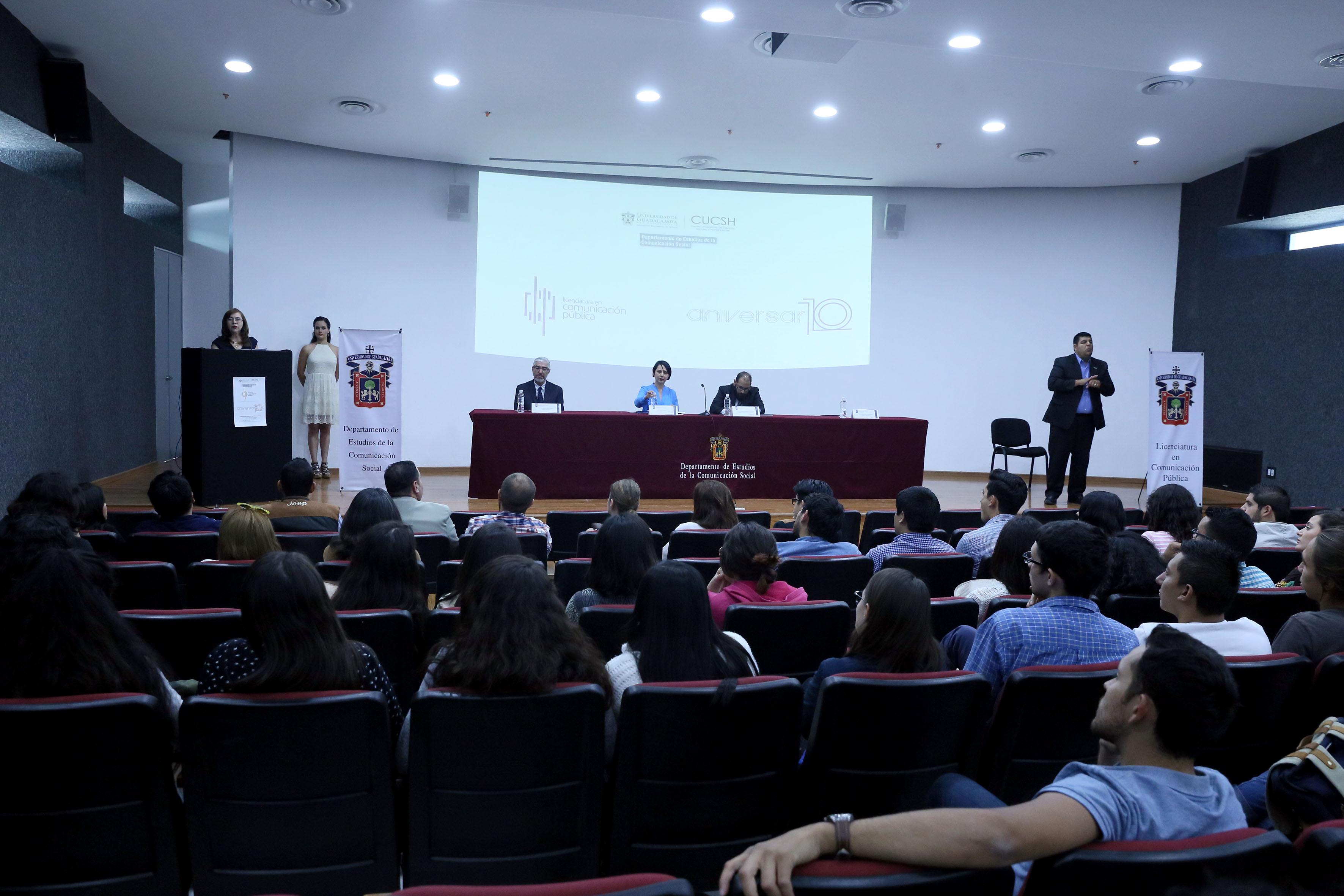 Conmemoración del décimo aniversario de la licenciatura en Comunicación Pública de la Universidad de Guadalajara (UdeG