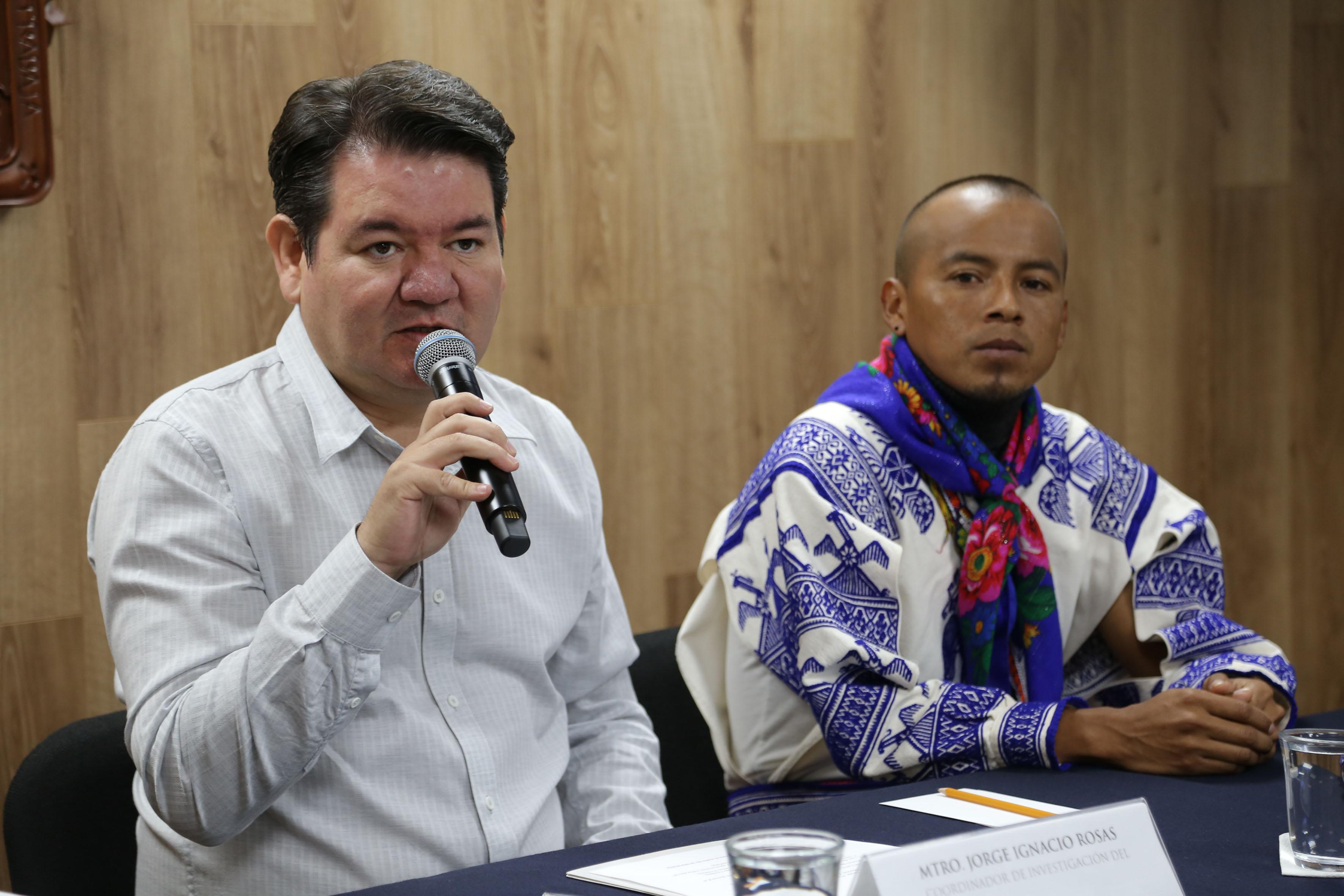 Coordinador de Investigación de este plantel, maestro Jorge Ignacio Rosas participando en rueda de prensa