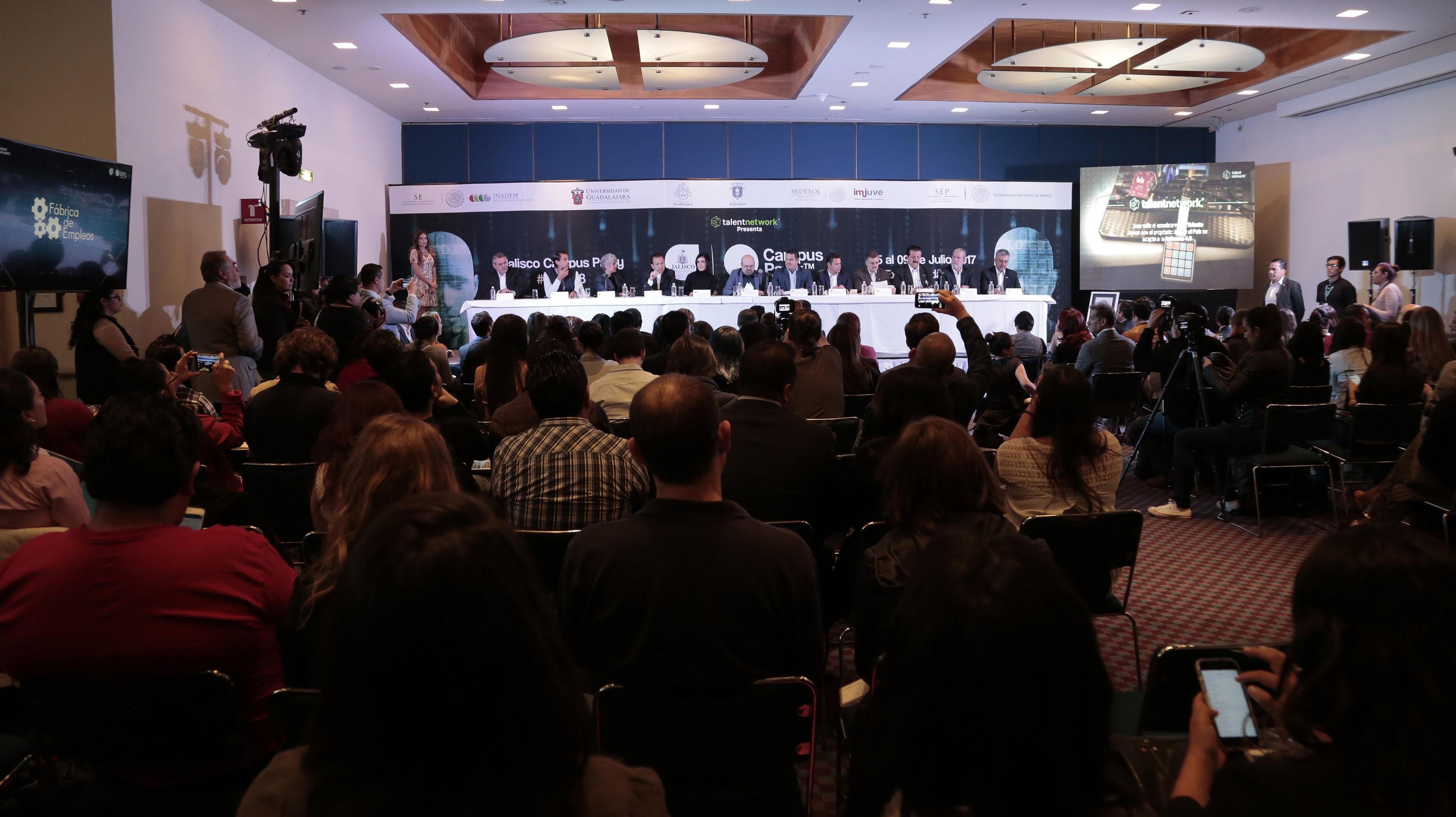 """Rueda de prensa sobre """"Campus Party 2017 (CPMX)"""", próxima a efectuarse en la Ciudad de Guadalajara."""
