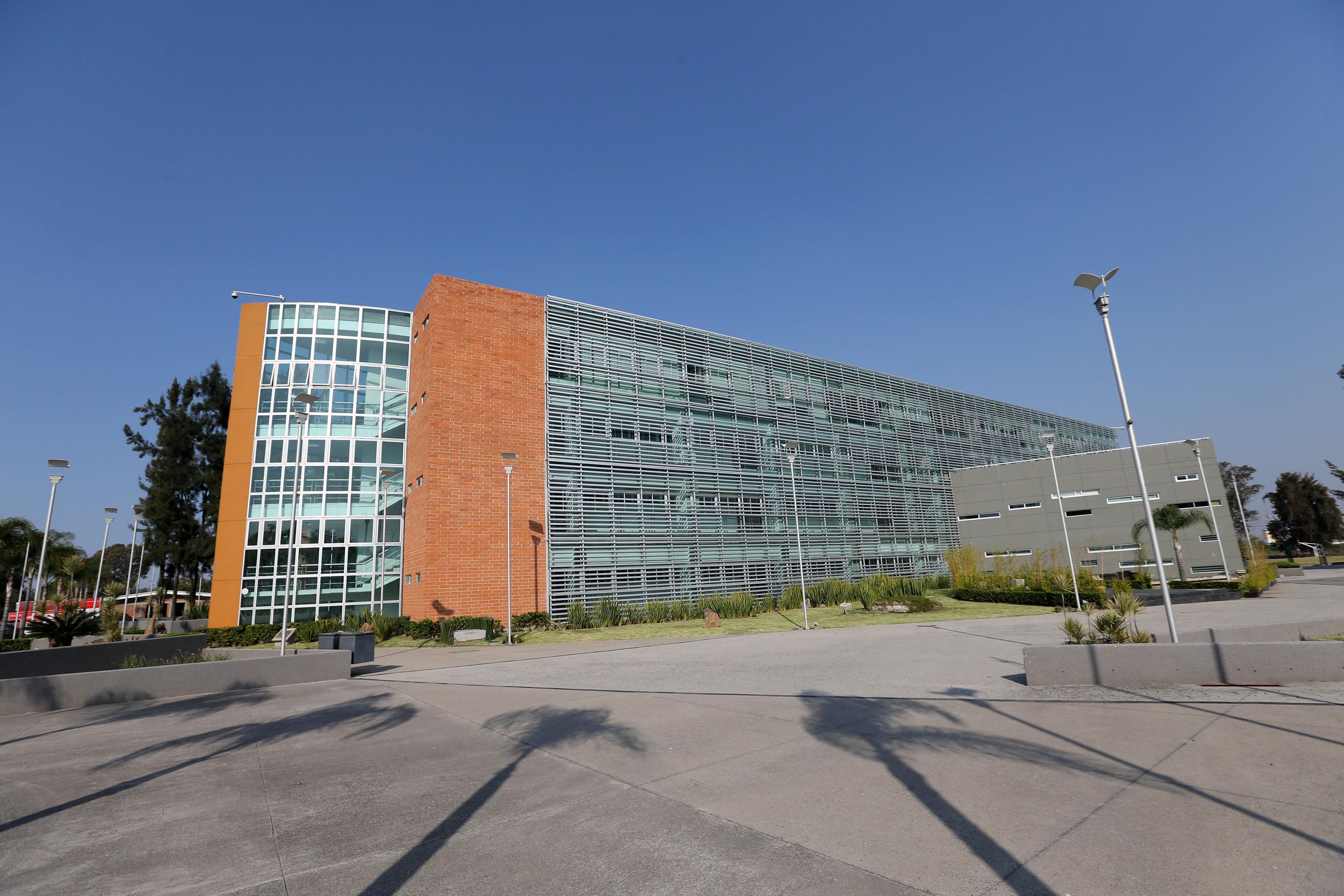 Edicficio de la Sede Belenes del Centro Universitario de Ciencias Sociales y Humanidades.