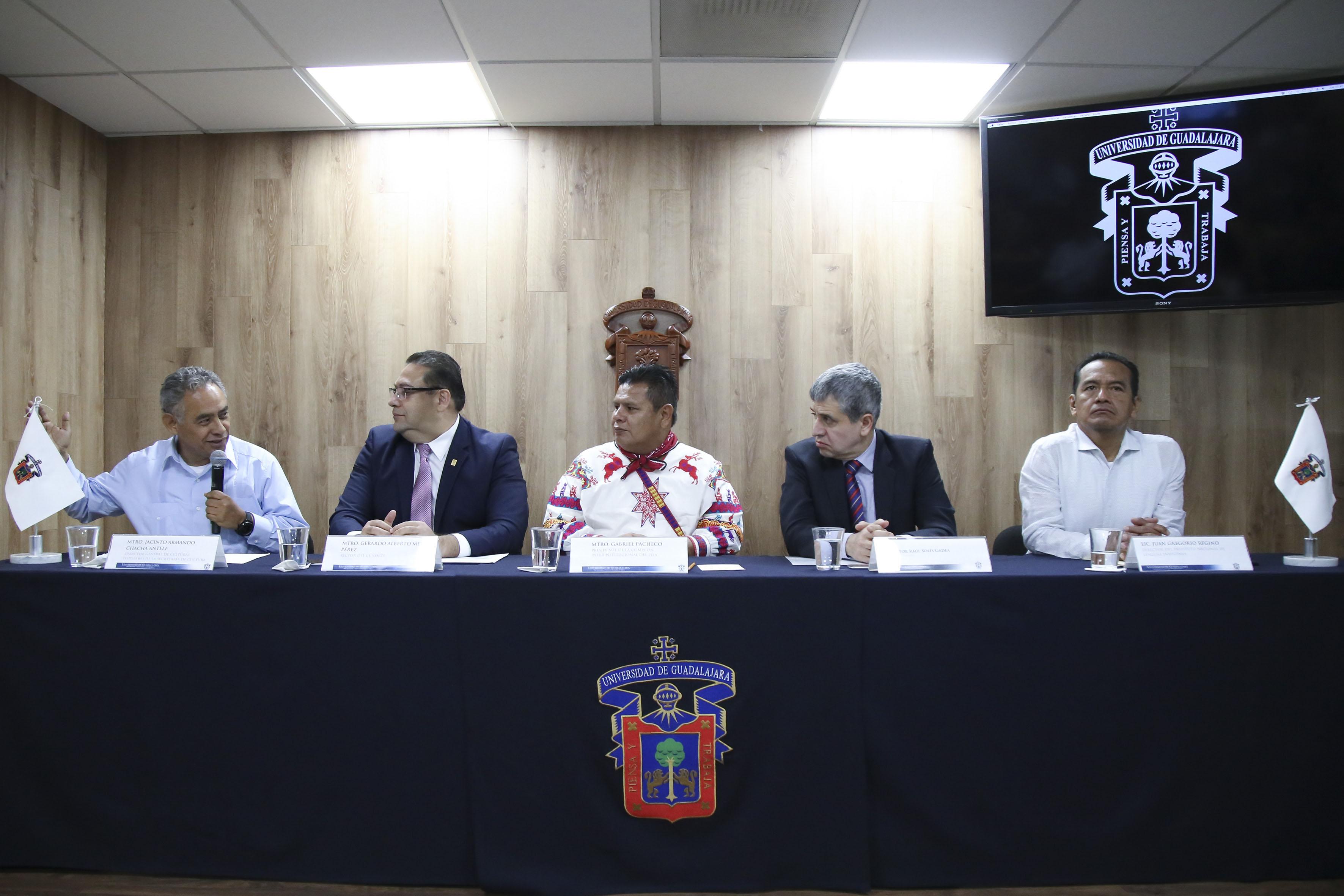 Rueda de prensa para dar a conocer los detalles de la convocatoria del Premio de Literaturas Indígenas de América (PLIA)