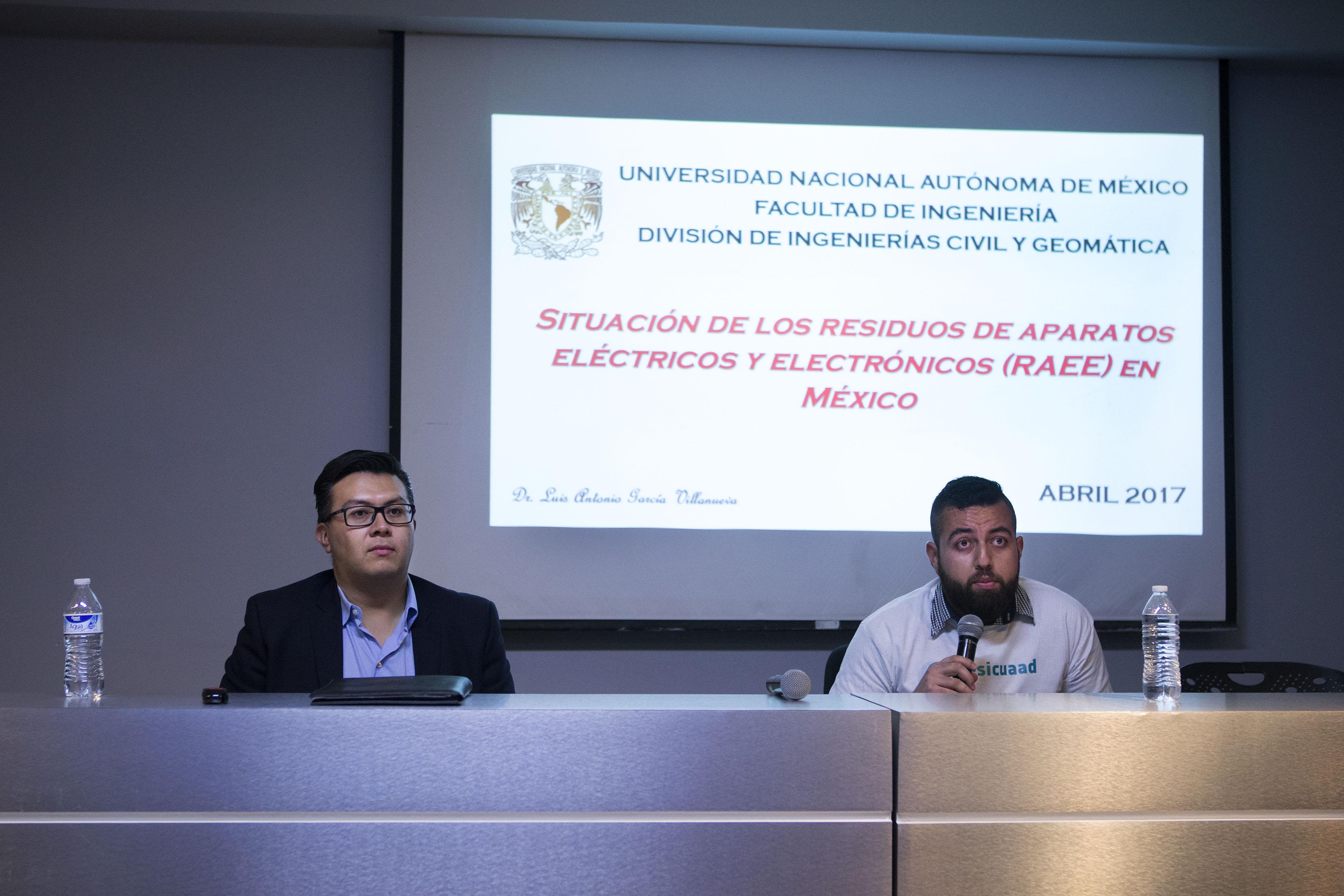"""Conferencia """"Situación de los residuos de aparatos eléctricos y electrónicos (RAEE) en México"""", organizada por el Centro Universitario de Arte, Arquitectura y Diseño (CUAAD)."""