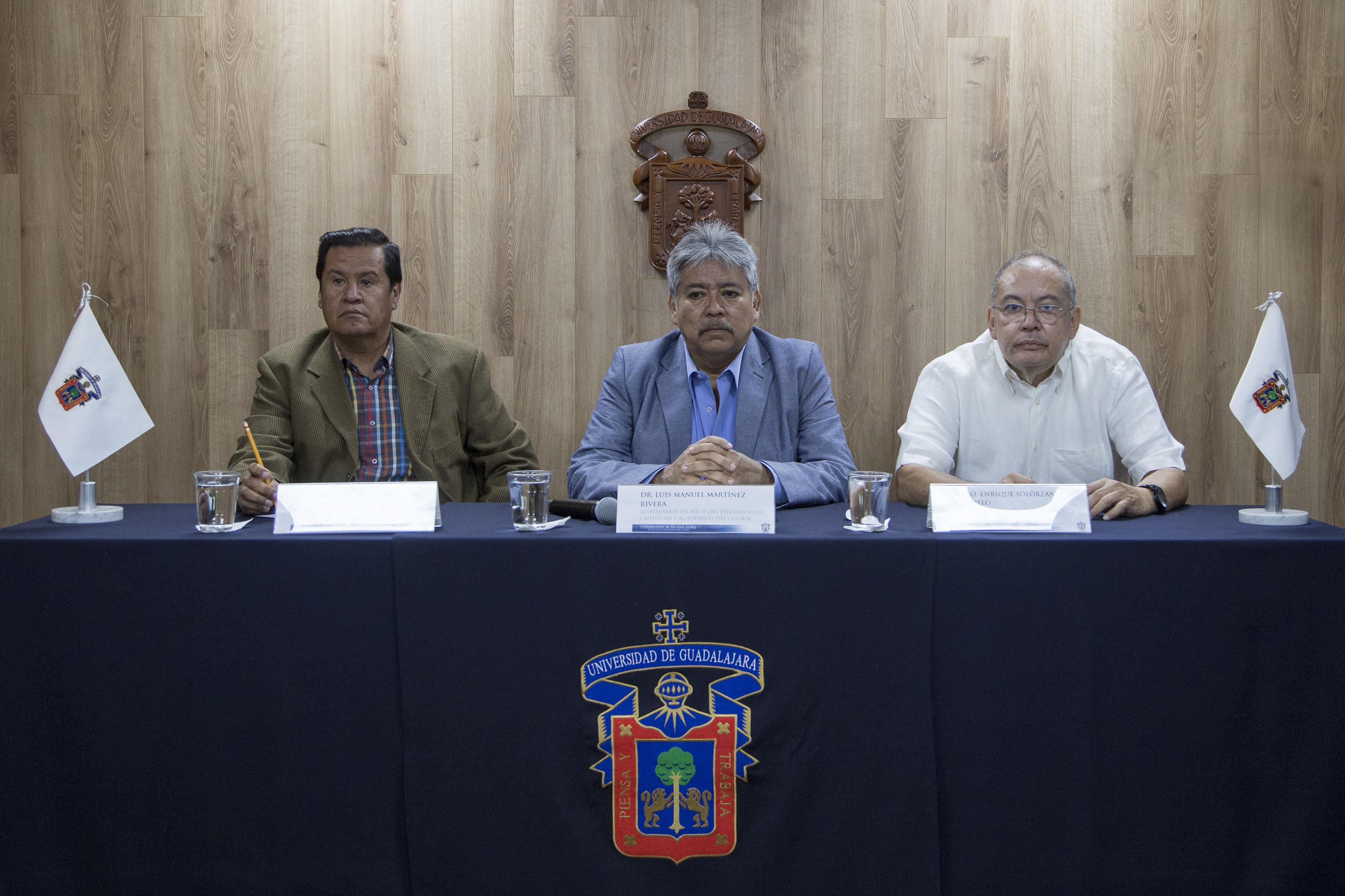 """Rueda de prensa para presentar el  """"Diagnóstico de las condiciones actuales de contaminación y estrategia de restauración de la laguna de Cajititlán""""."""