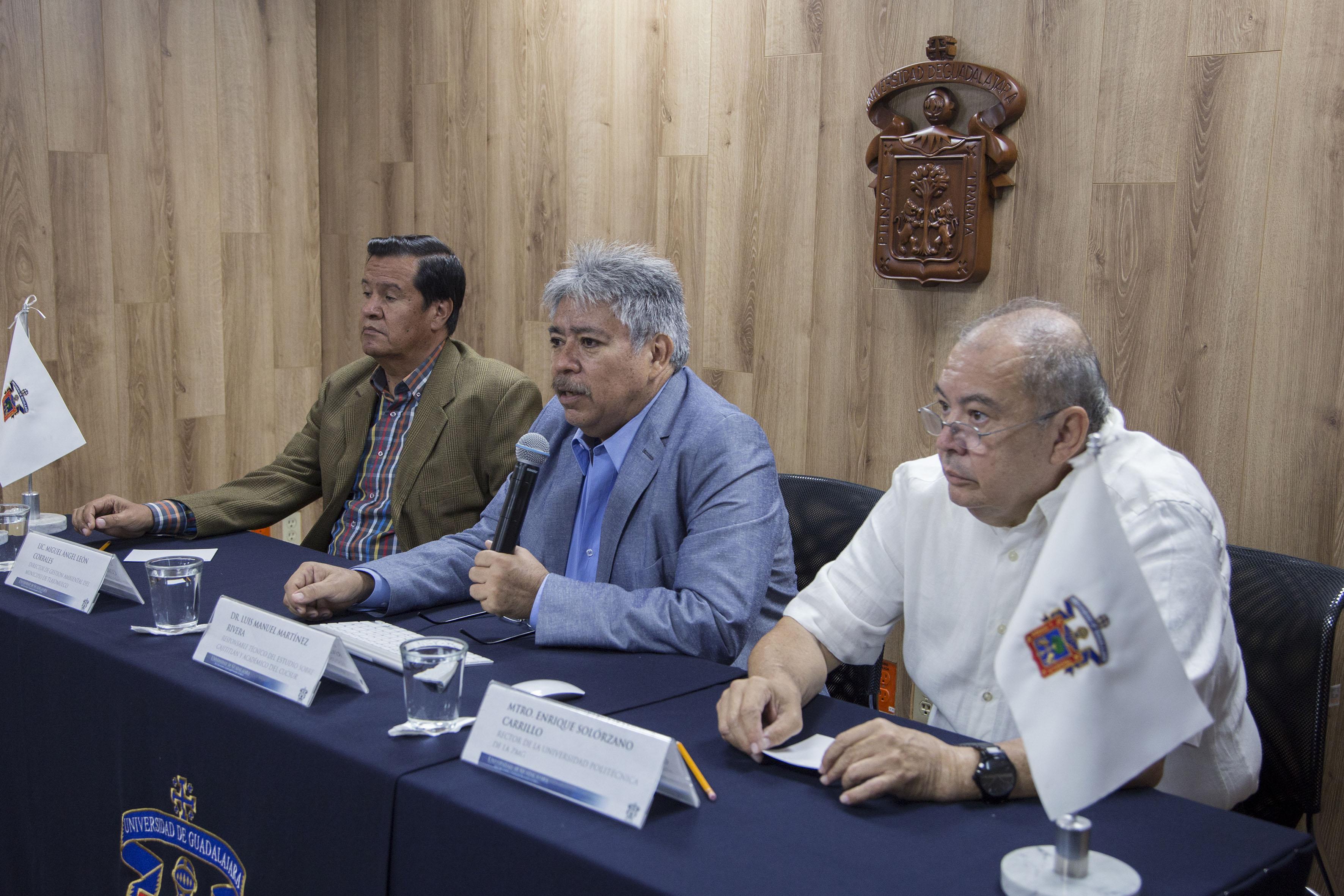Dr. Luis Manuel Martínez Rivera, responsable técnico del estudio, haciendo uso de palabra