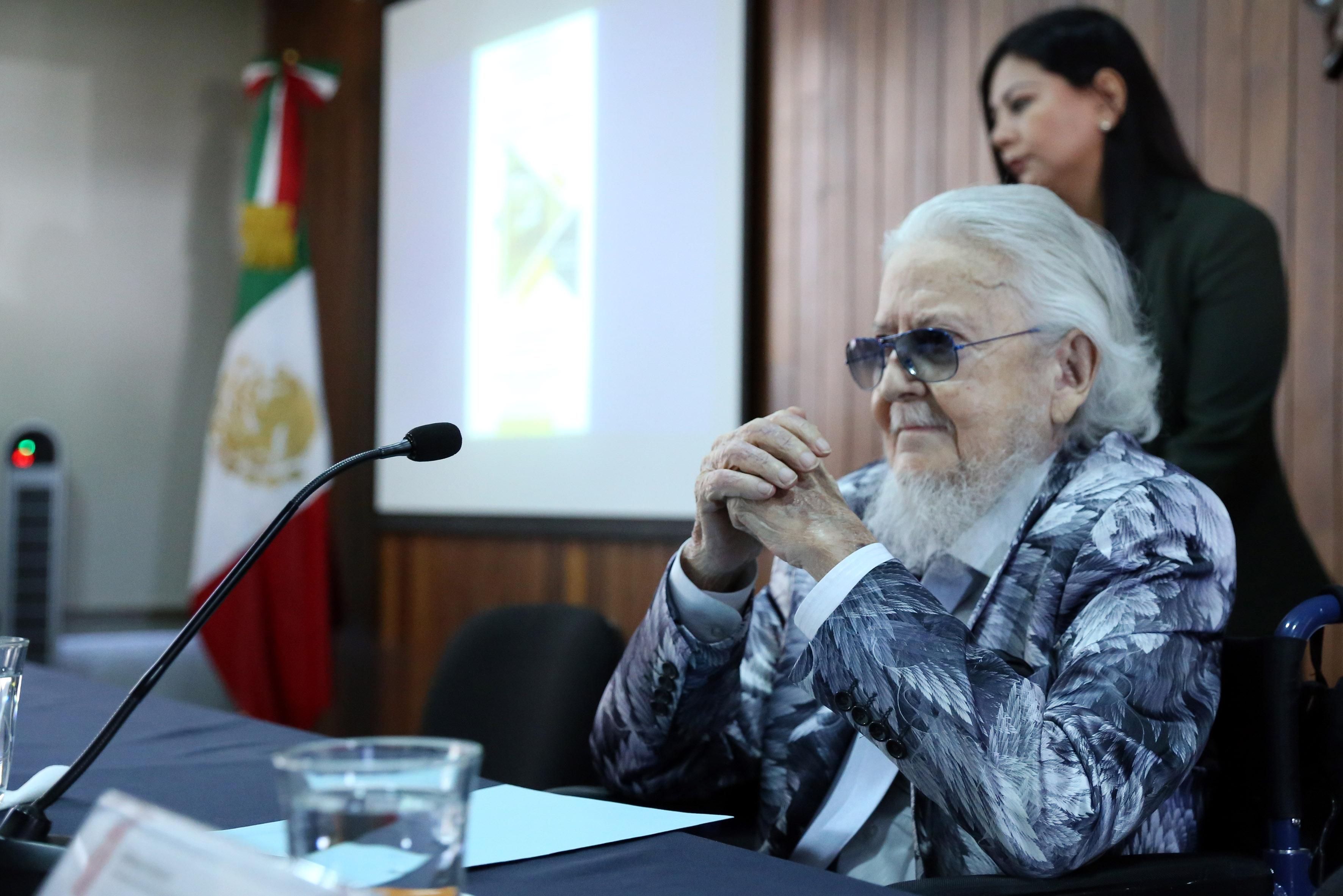 Dr. Fernando del Paso en el auditorio Adalberto Navarro Sánchez del CUCSH.