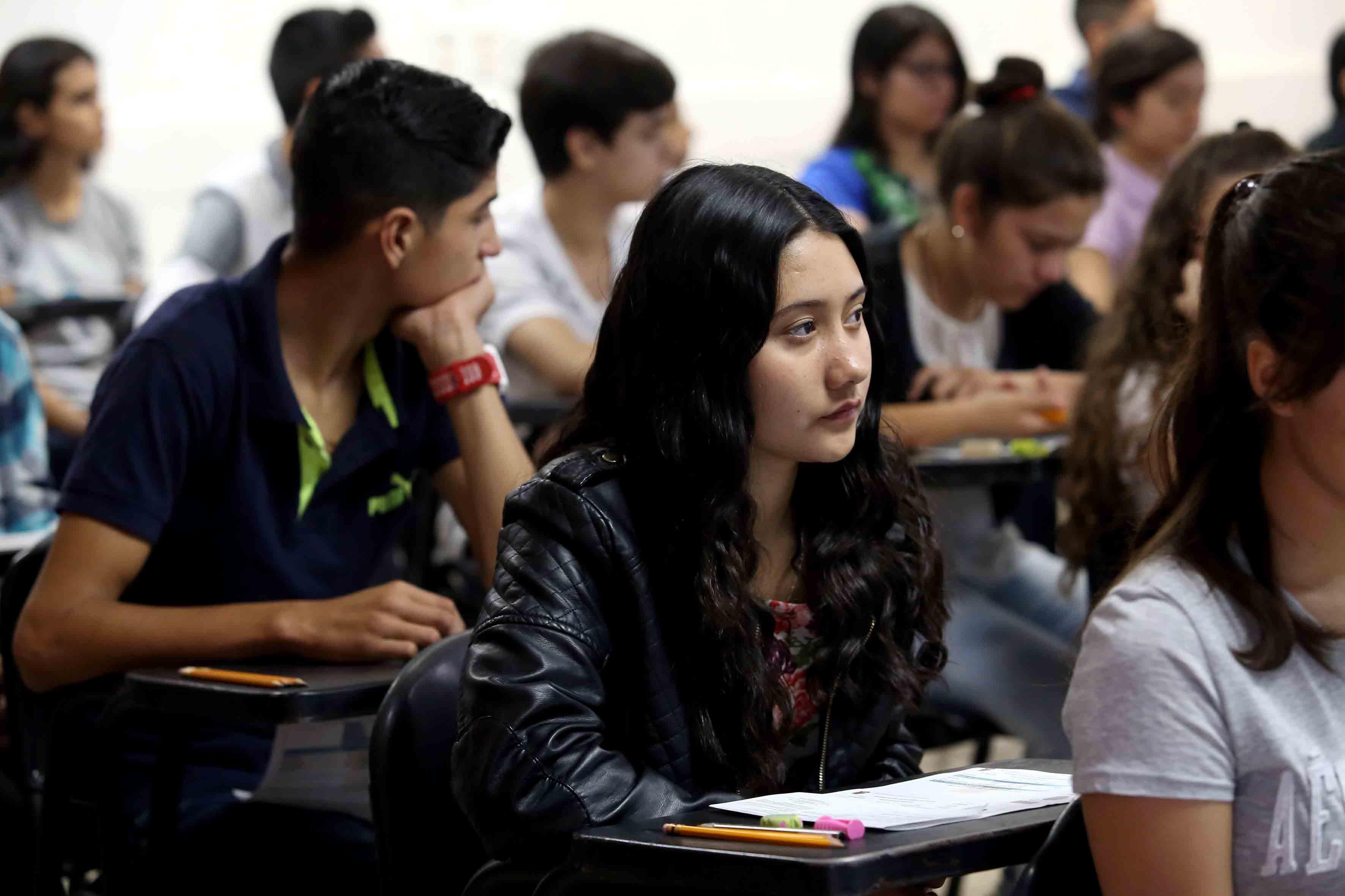 Aspirantes a realizar la aplicación del examen Piense II