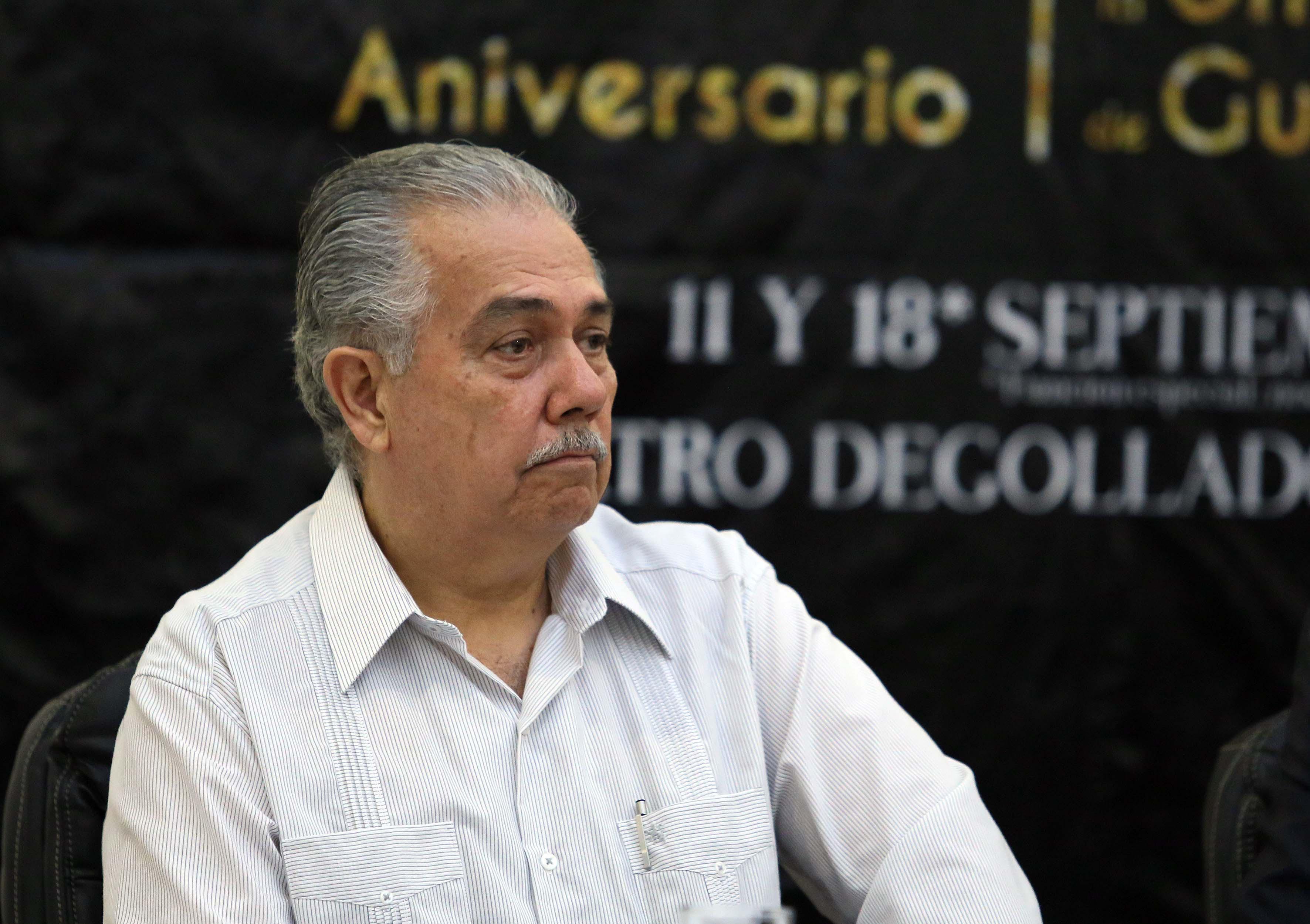 Maestro Carlos Ernesto Ochoa.