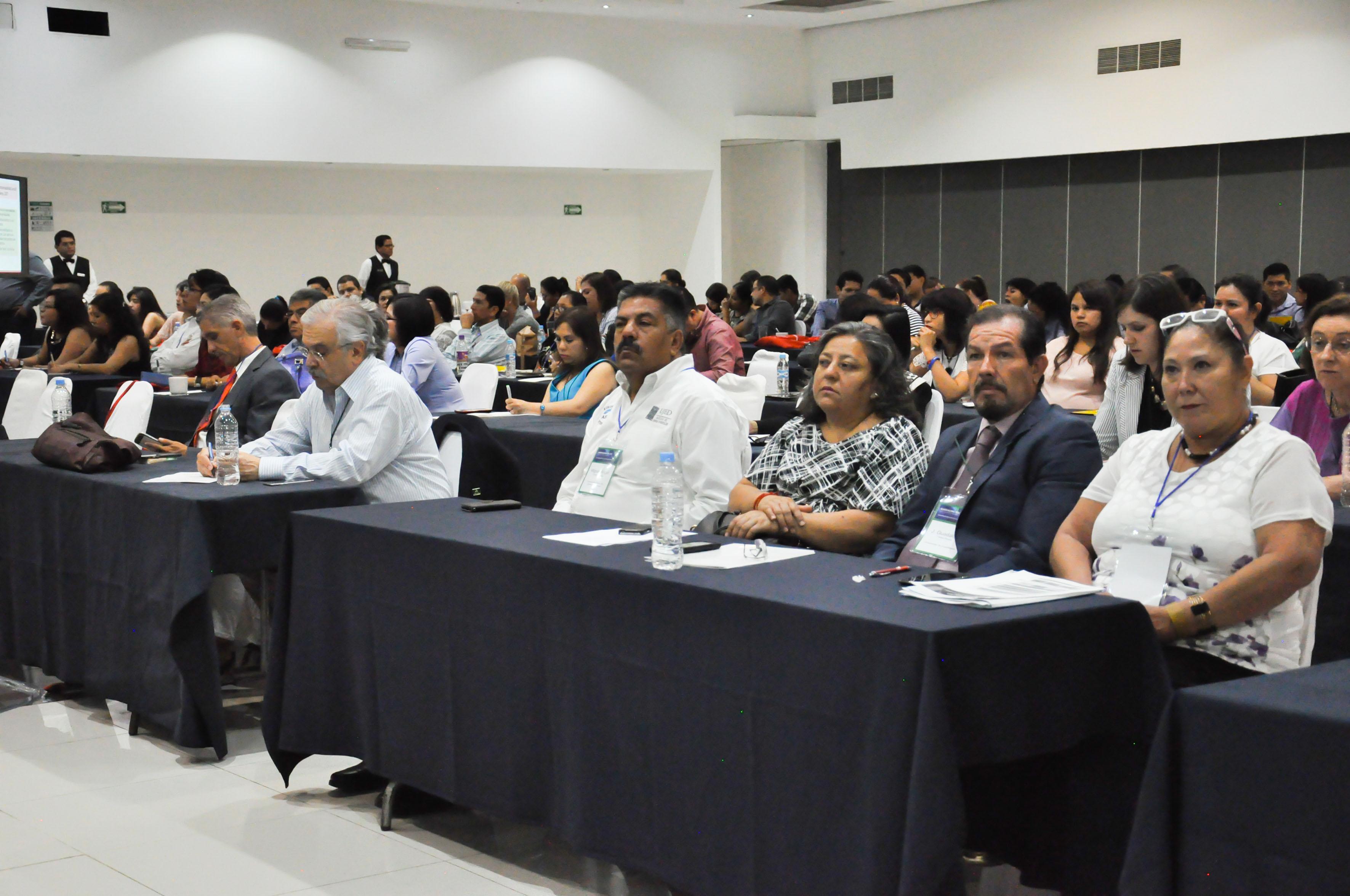 """Representantes de universidades de más de 25 estados del país, asistentes a la Reunión Nacional Peraj 2017 """"Juntos somos más fuertes""""."""
