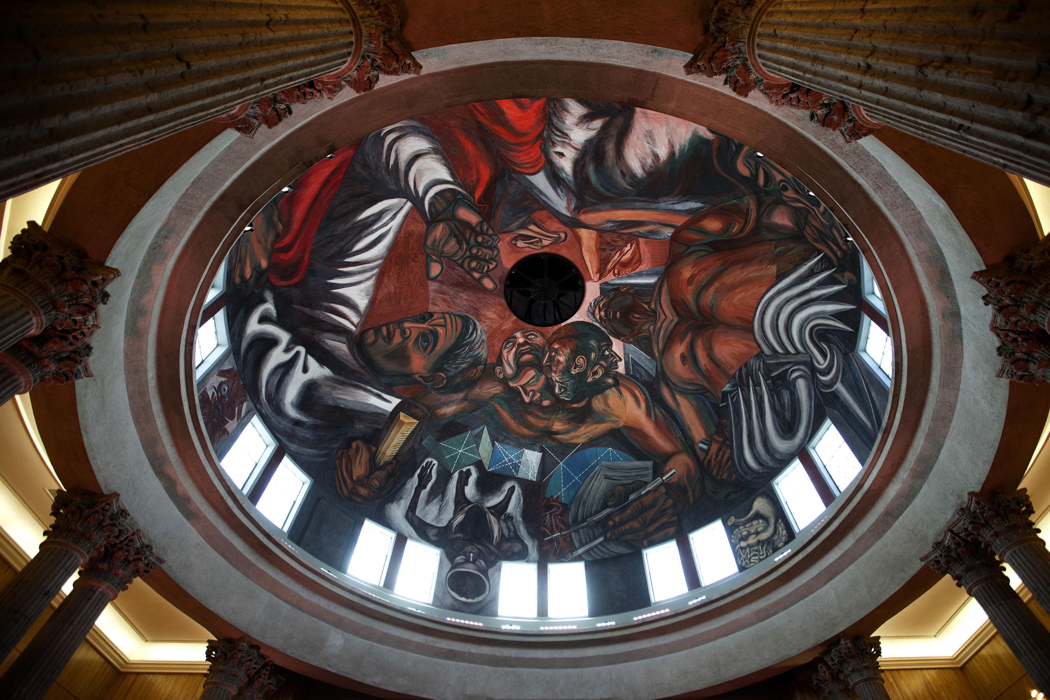 la exaltación del hombre a través de la ciencia mural restaurado en el paraninfo