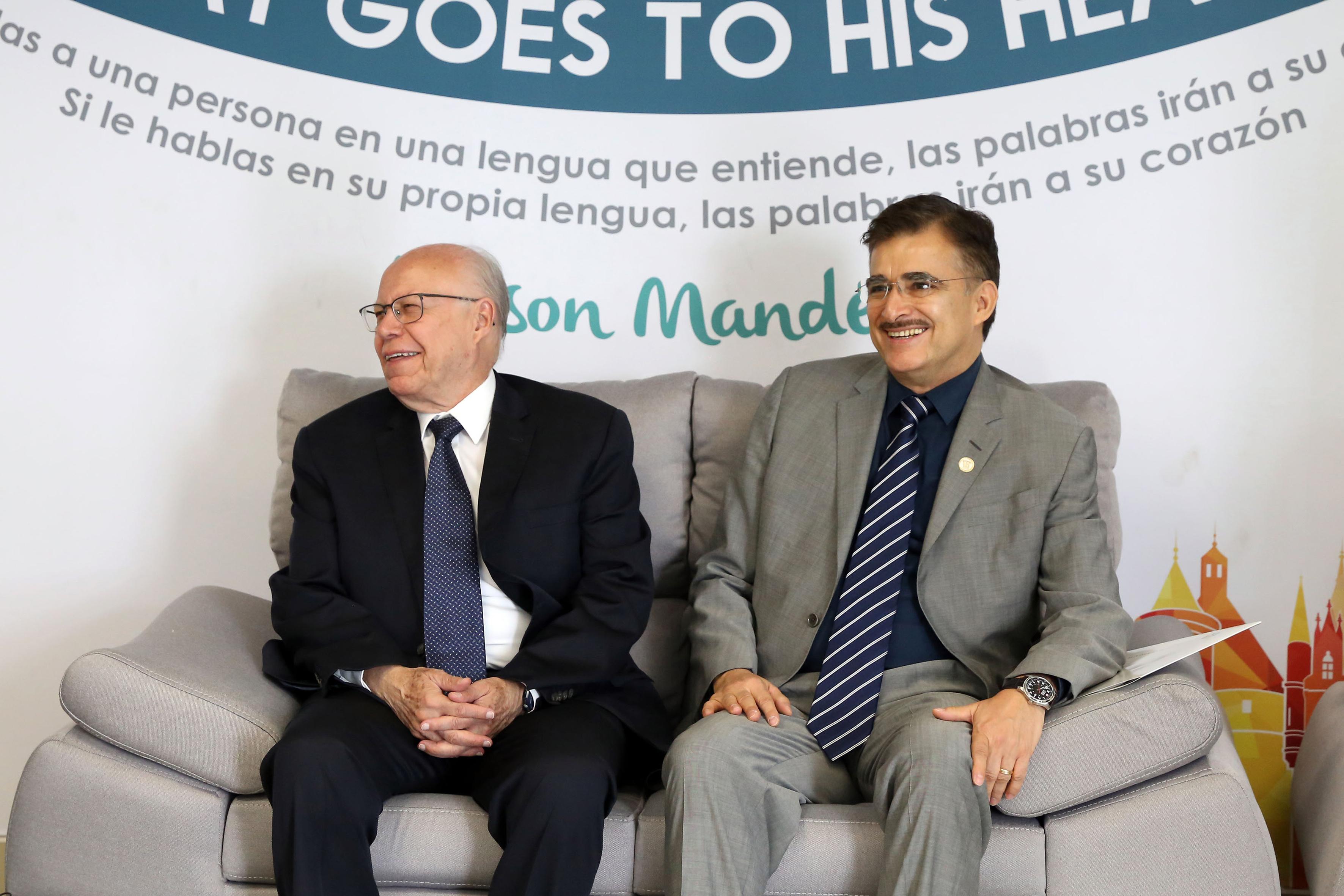 José Narro Robles y el Rector General de la Universidad de Guadalajara (UdeG), maestro Itzcóatl Tonatiuh Bravo Padilla.