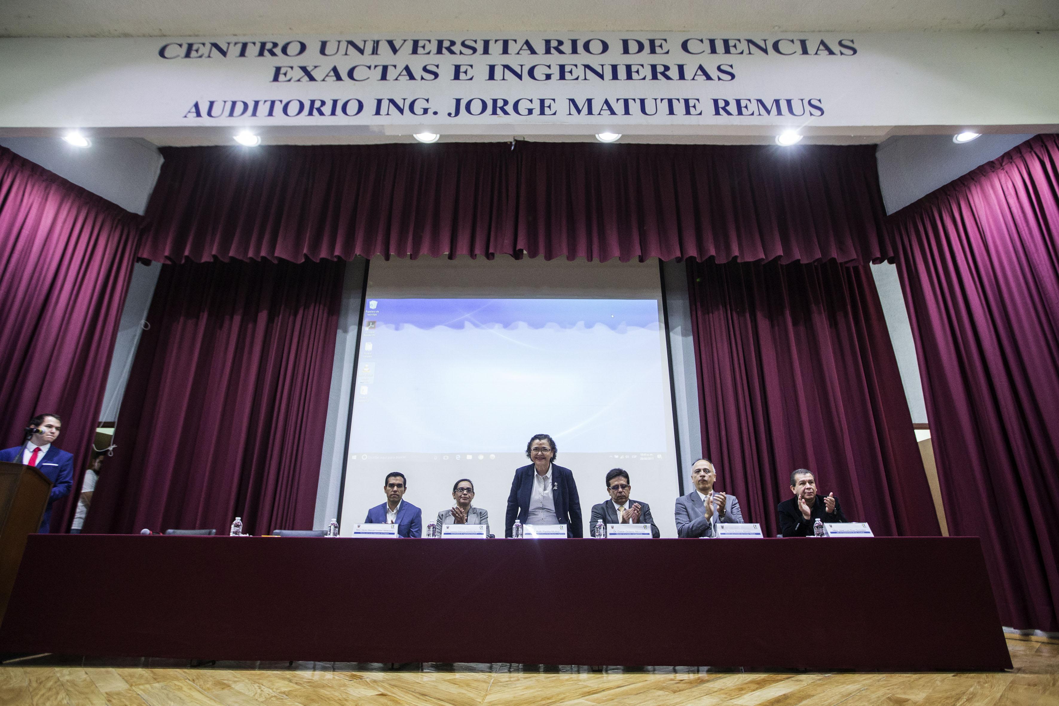 Presentación de los panelistas participantes en el segundo Congreso de Ingeniería Industrial Logística.