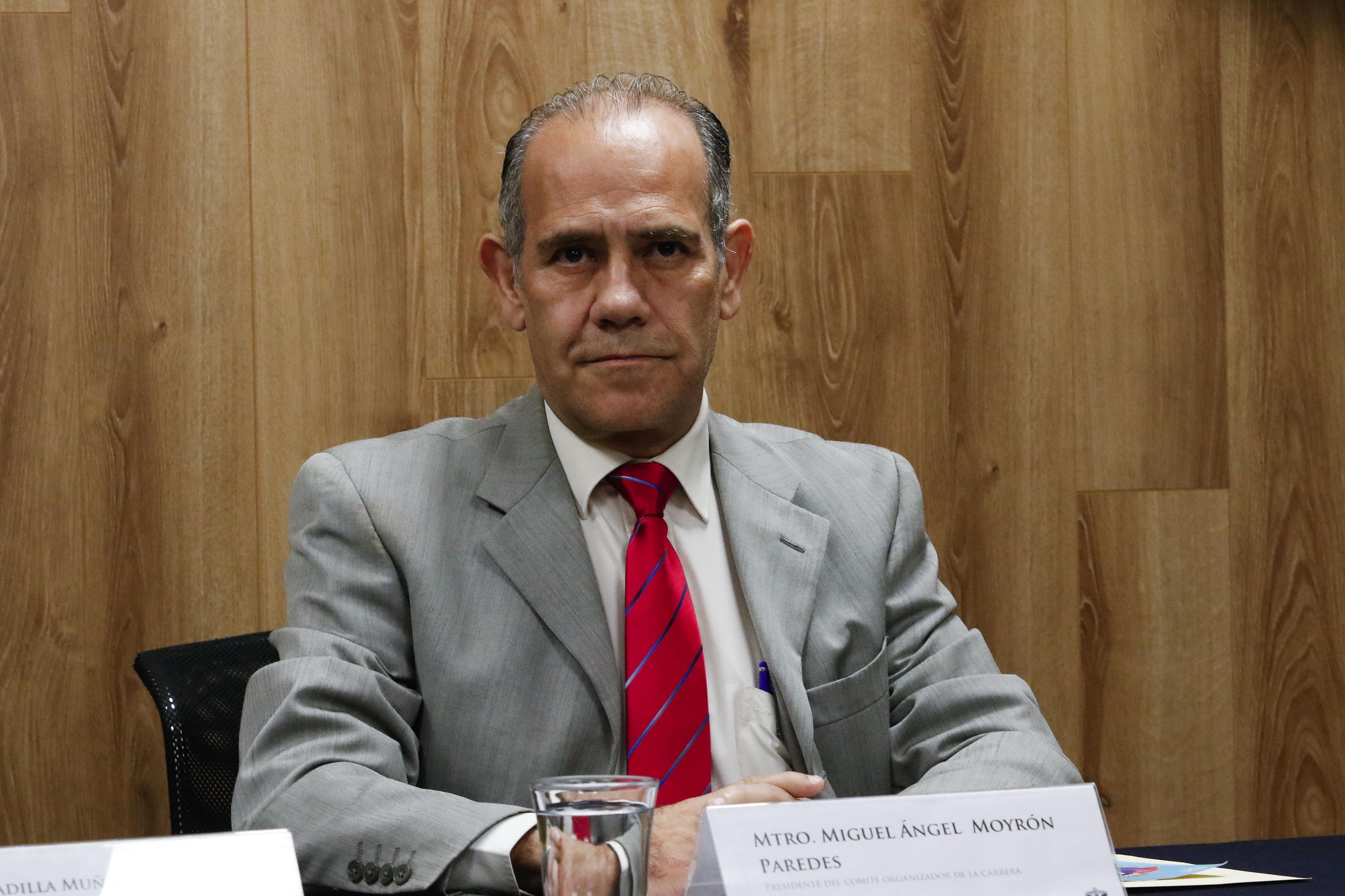 Maestro Miguel Ángel Moyrón, presidente del Comité organizador de la carrera.