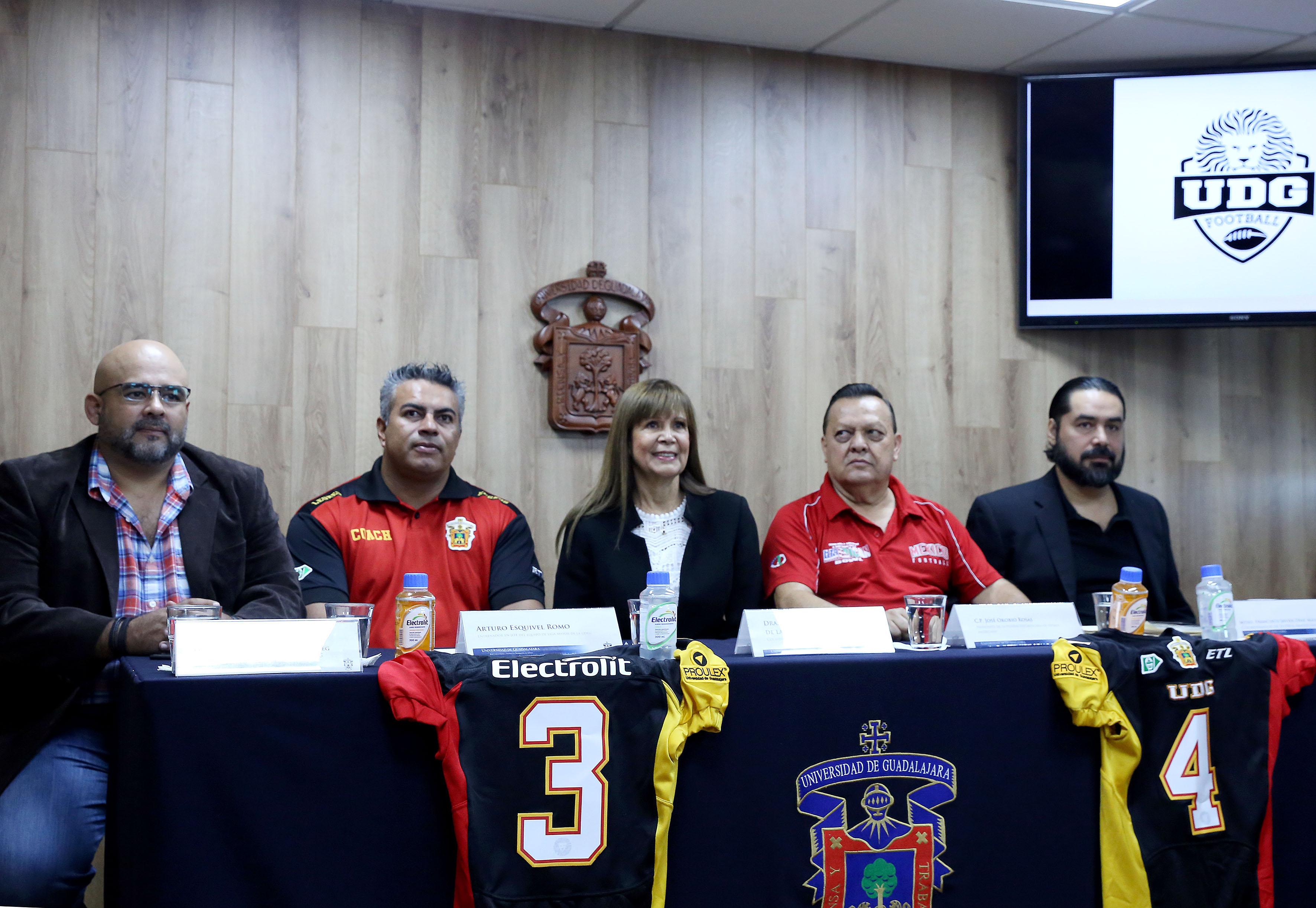 Rueda de prensa para anunciar el inicio de su participación en casa en la Liga Mayor de la Organización Nacional Estudiantil de Futbol Americano (Onefa), en partido correspondiente a la jornada 2. Reciben este sábado al Cuerpo de Guardias Presidenciales.