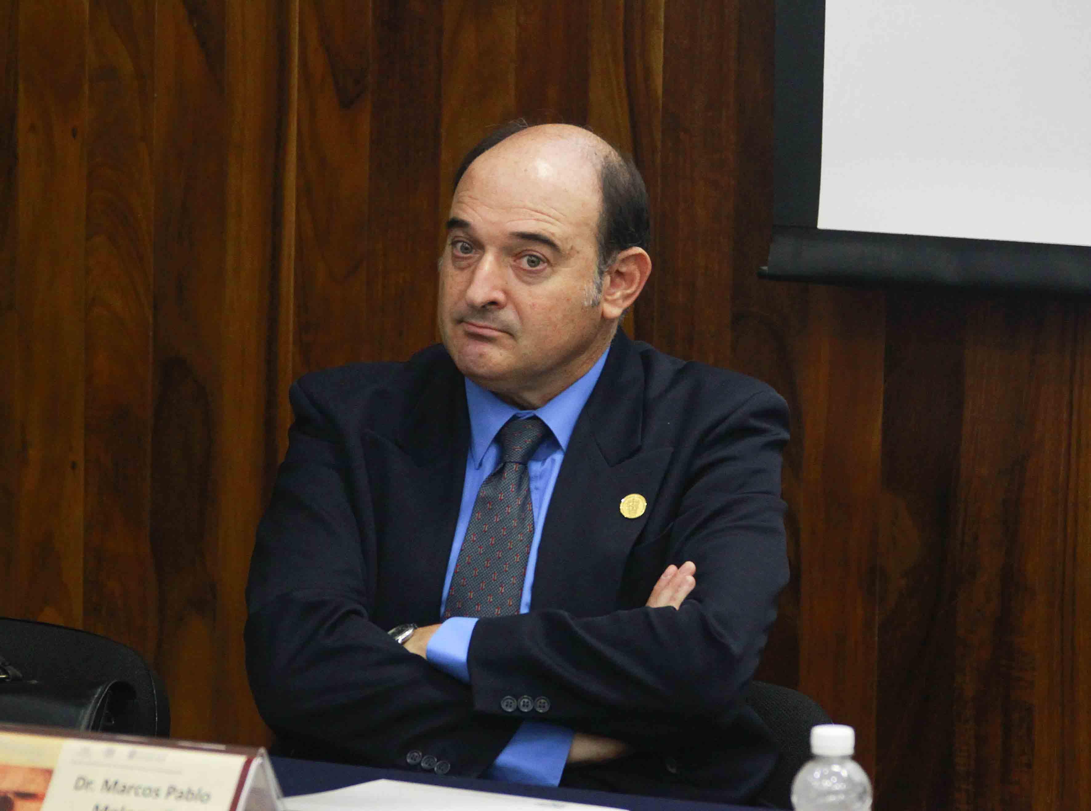 Doctor Marcos Pablo Moloeznik Gruer, académico del Centro Universitario de Ciencias Sociales y Humanidades de la Universidad de Guadalajara.