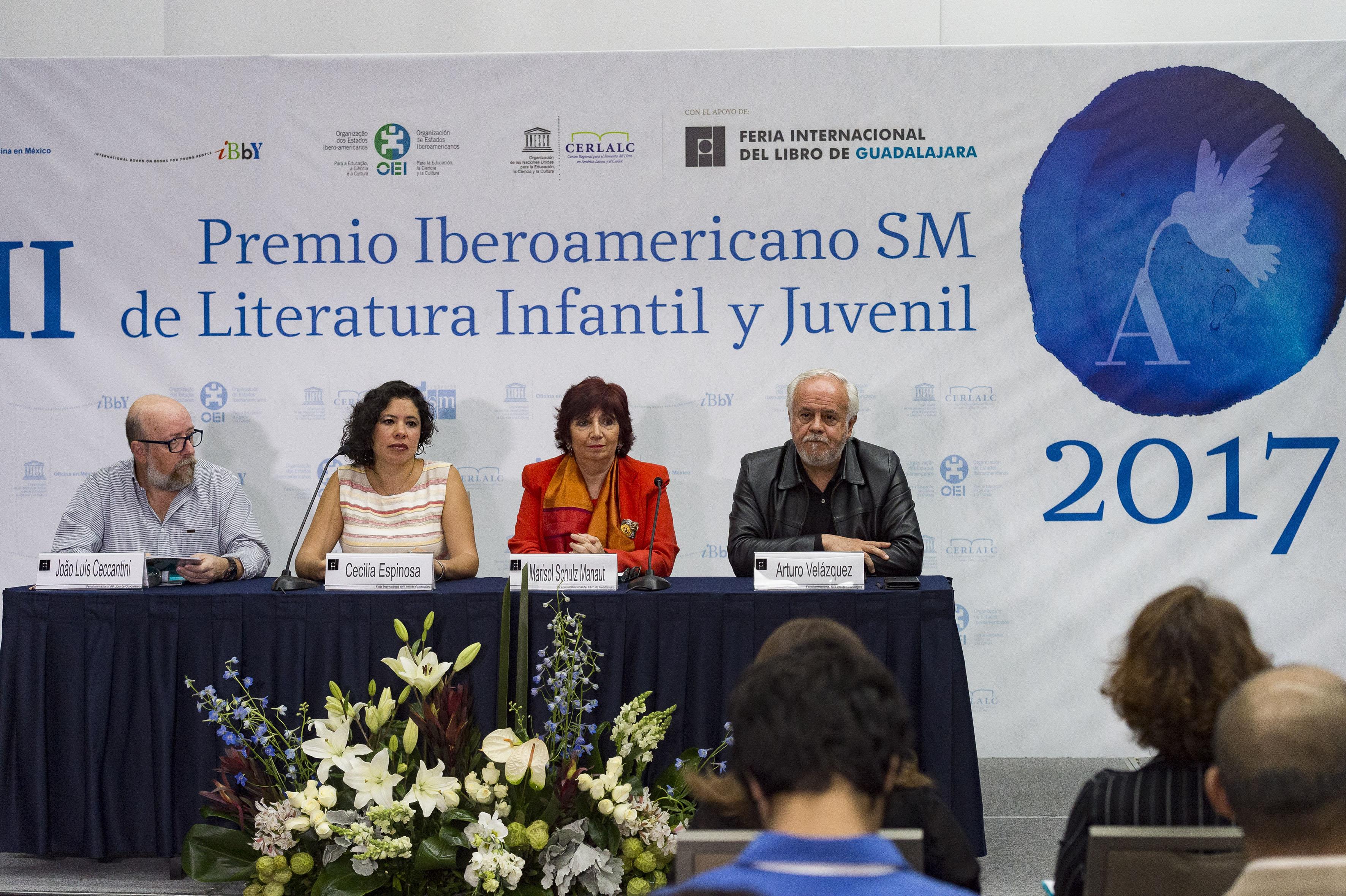 Rueda de prensa para dar a conocer a la ganadora de la XIII edición del Premio Iberoamericano SM de Literatura Infantil y Juvenil.