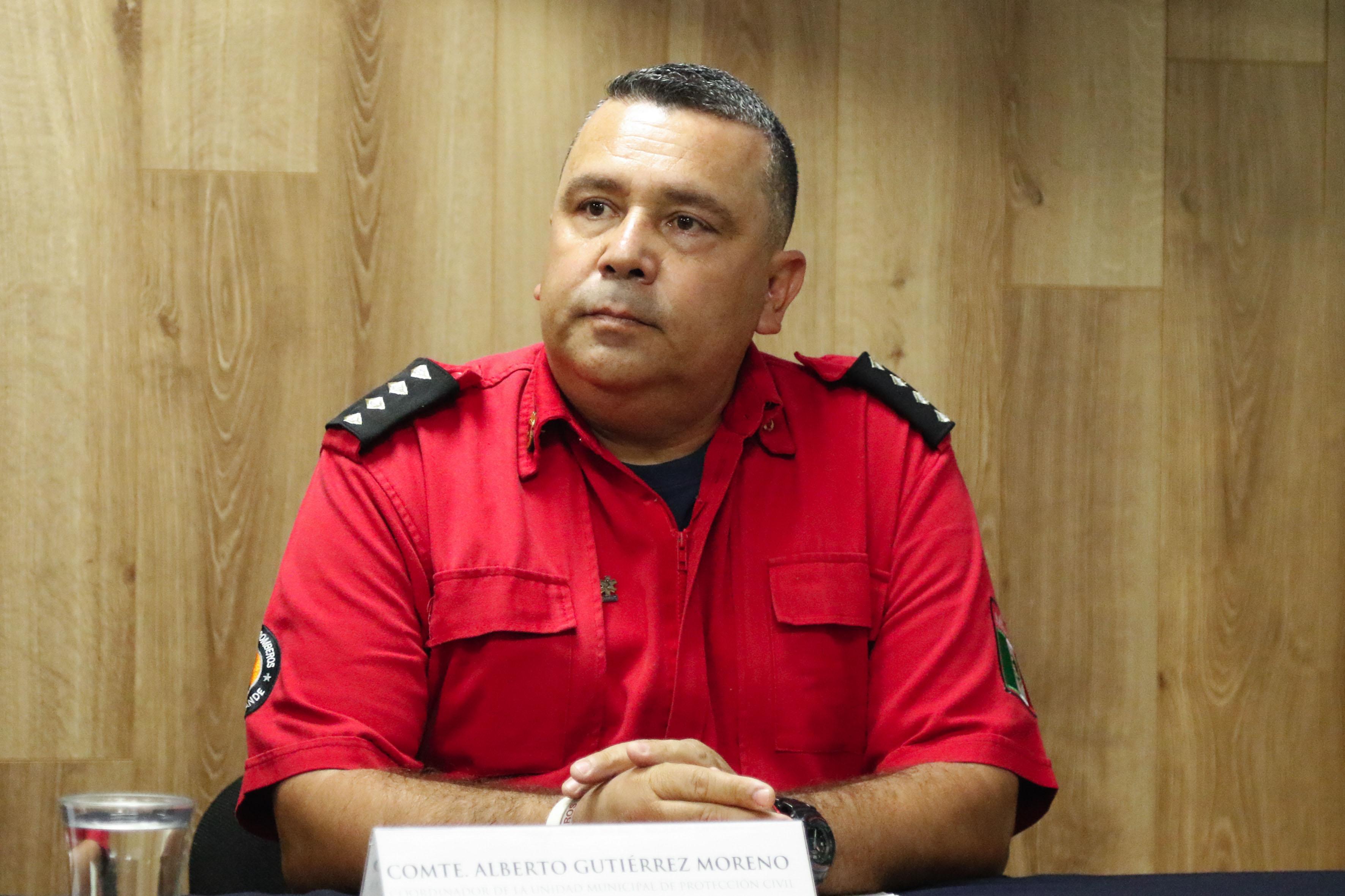 Alberto Gutiérrez Moreno, coordinador de la Unidad Municipal de Protección Civil de Ciudad Guzmán participando en rueda de prensa