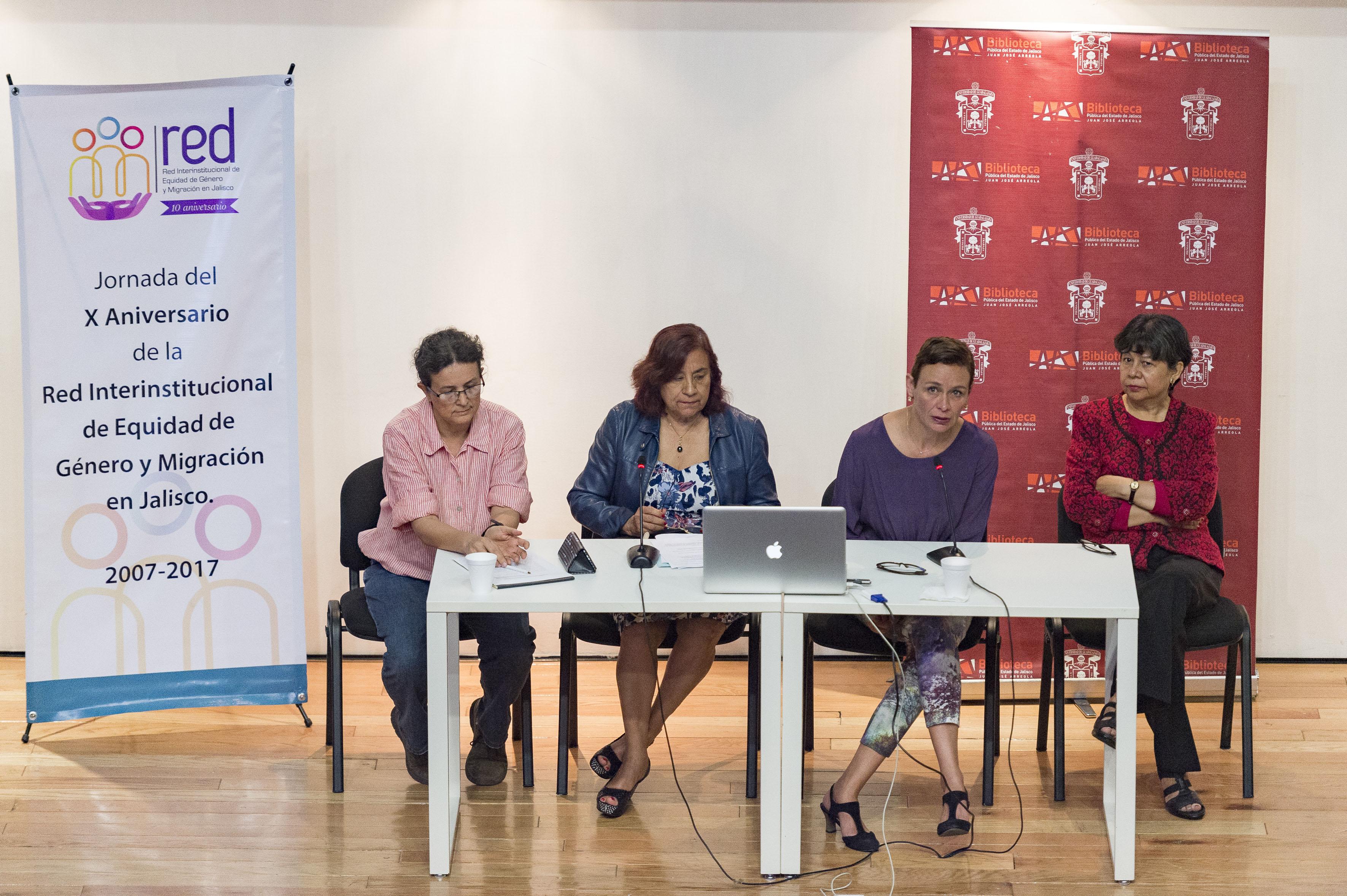 Investigadoras participantes en la jornada del X aniversario de la Red Interinstitucional de Equidad de Género y Migración en Jalisco.