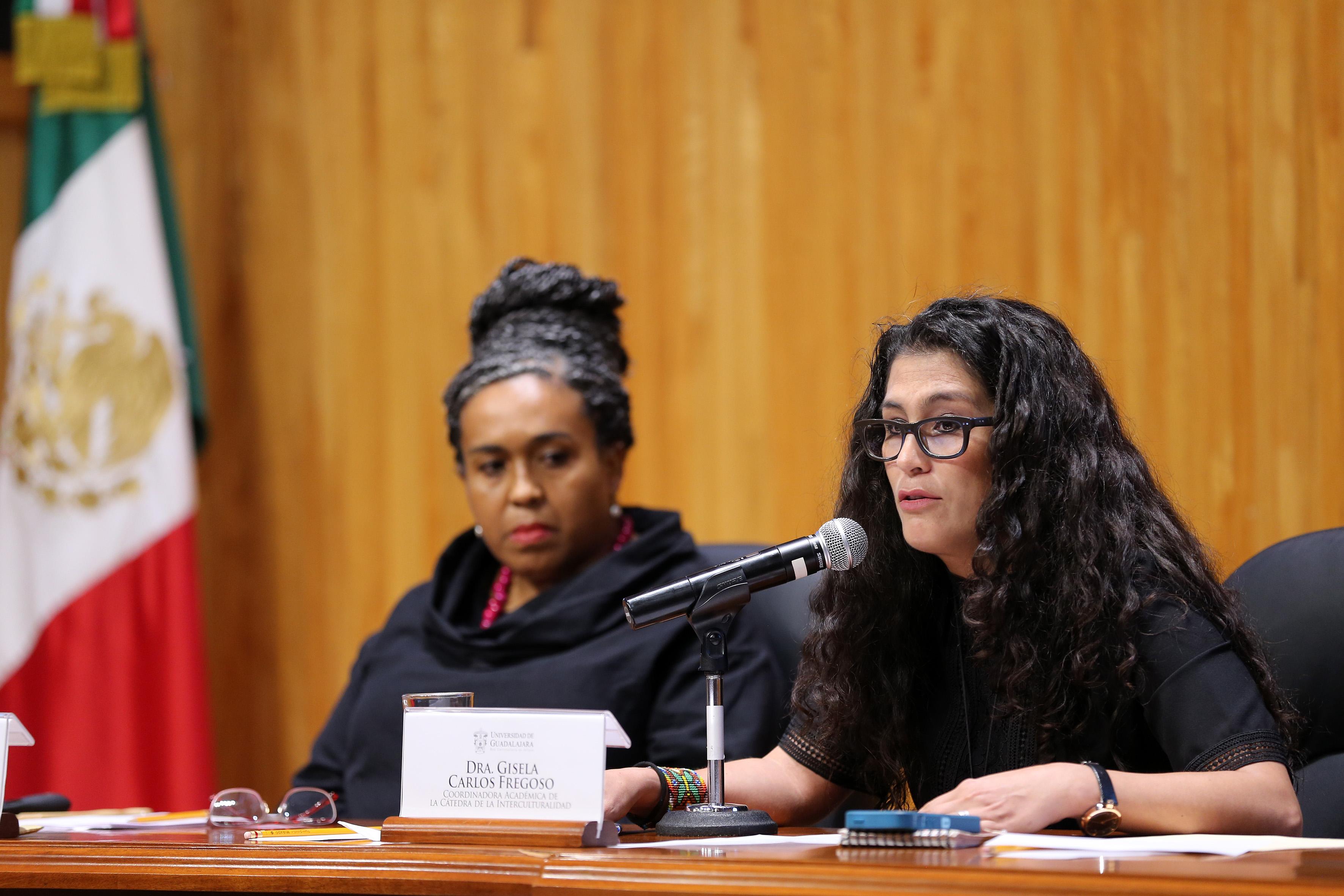 Doctora Gisela Carlos Fregoso, coordinadora académica de la Cátedra de la Interculturalidad, haciendo uso de la palabra.