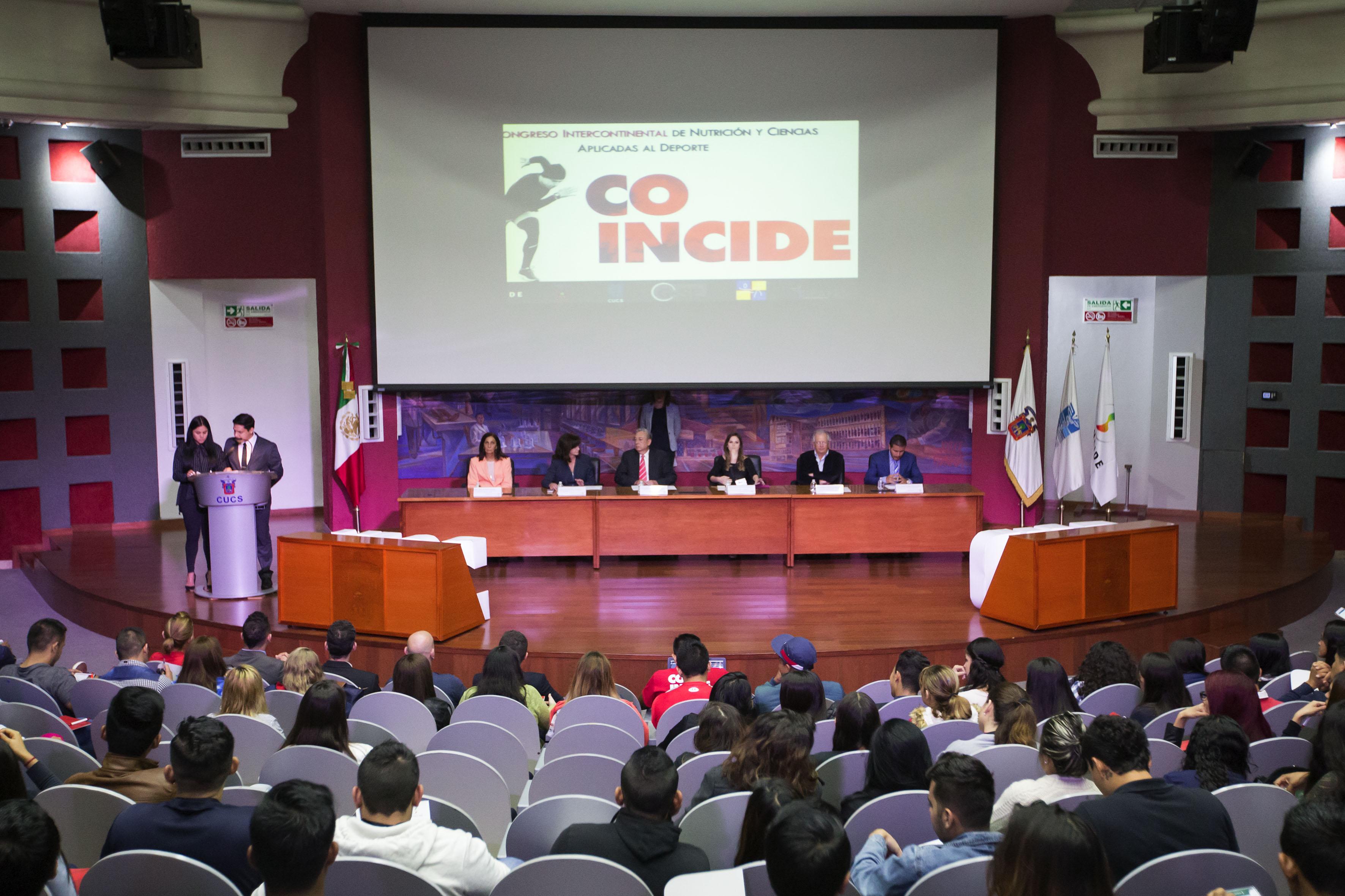 Presídium de la ceremonia de inauguración del Tercer Congreso Intercontinental de Nutrición y Ciencias Aplicadas al Deporte.