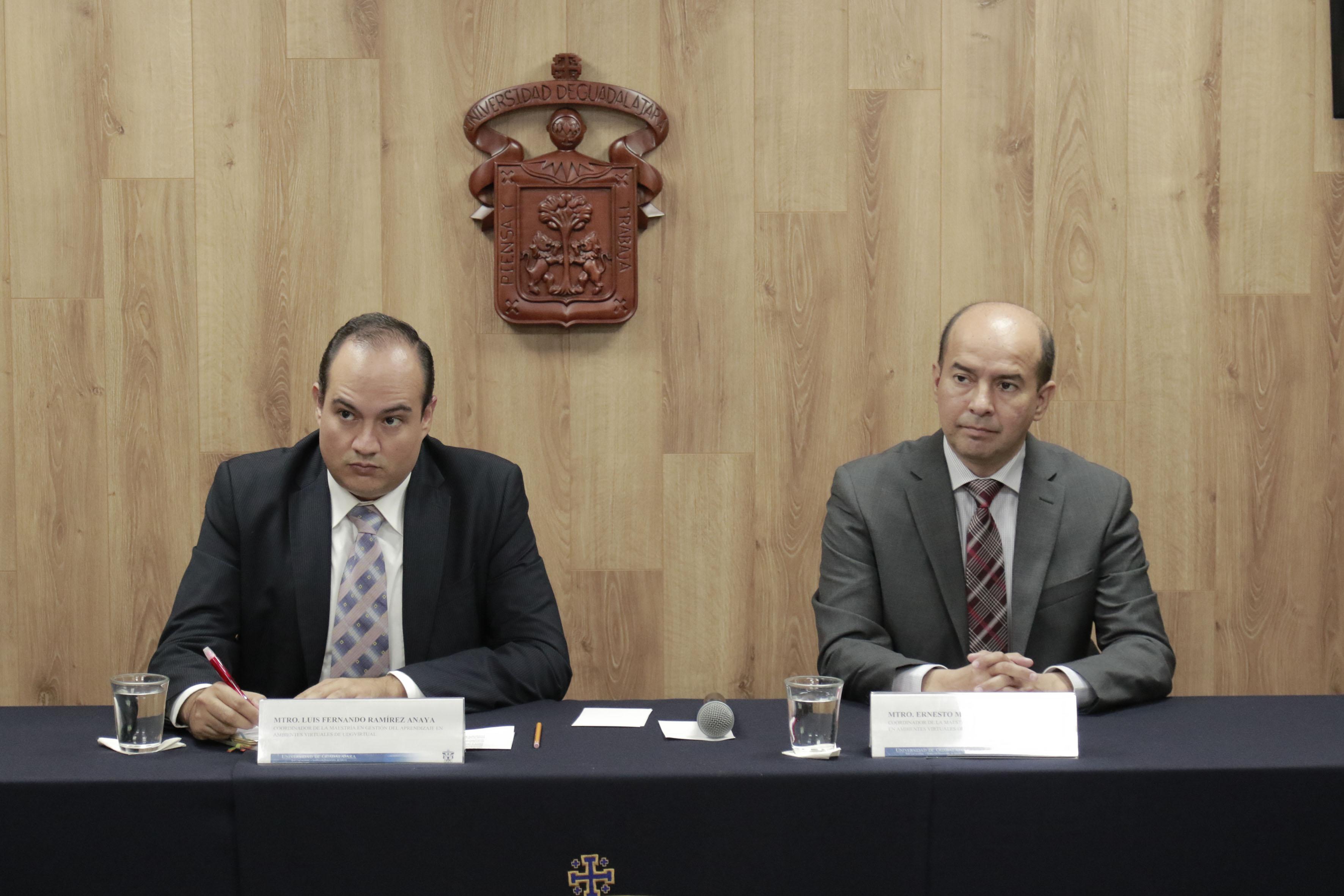 Rueda de prensa, convocada por académicos de UDGVirtual, para promover el gobierno electrónico como una herramienta para la corrupción.