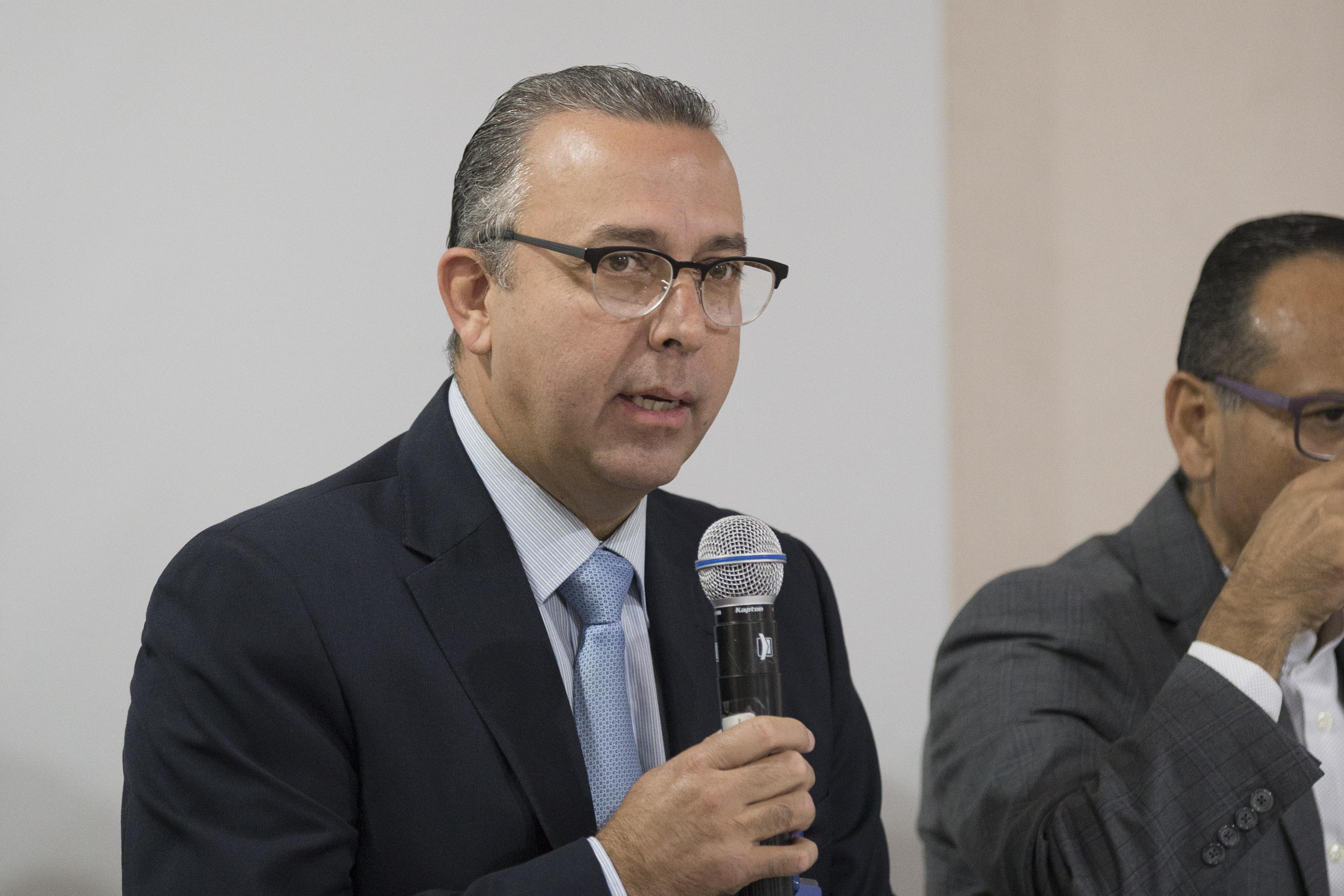 Director del Nuevo Hospital Civil de Guadalajara, doctor Francisco Martín Preciado Figueroa, haciendo uso de la palabra