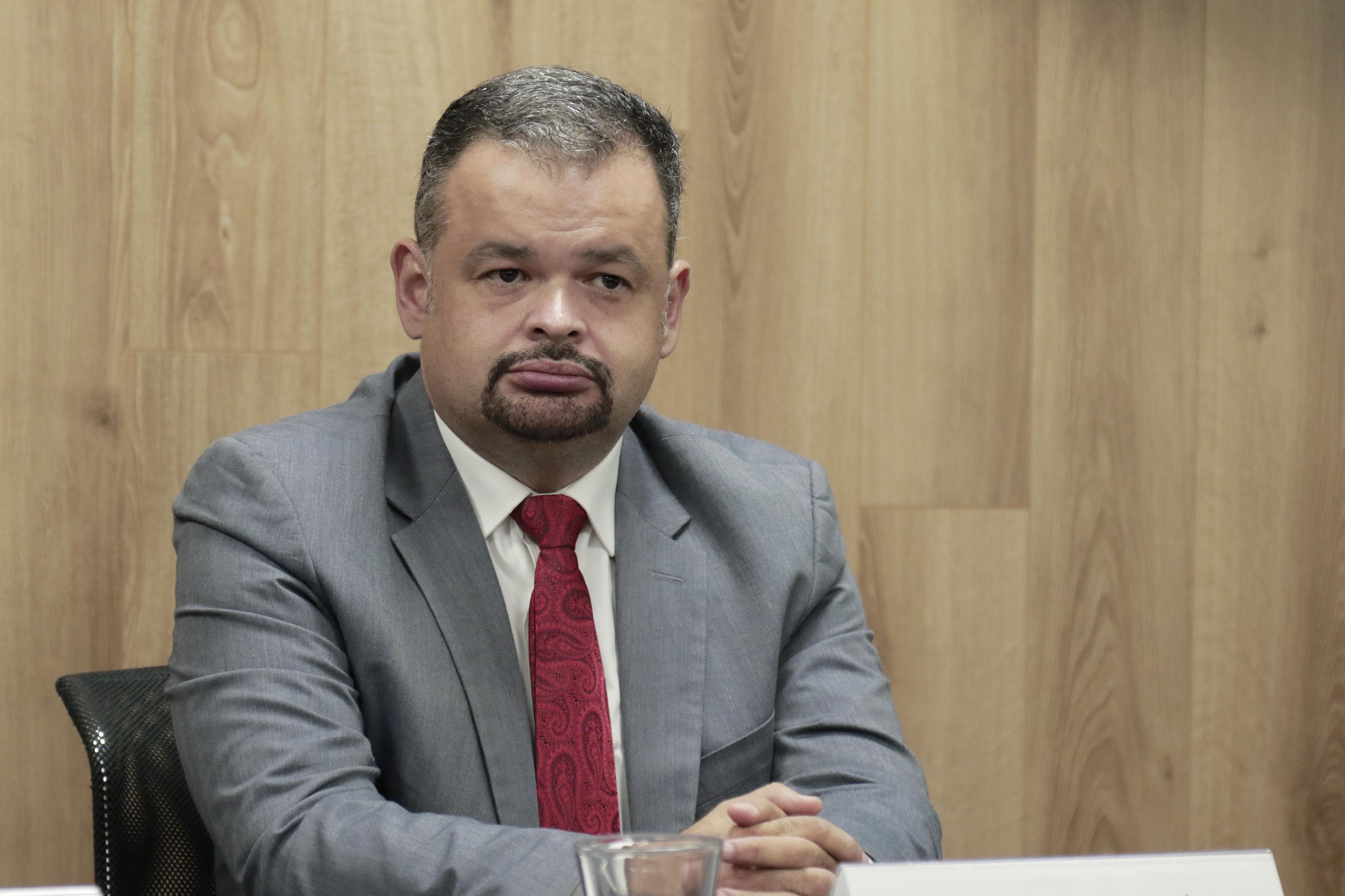 Dr. Alejandro Macías Macías.