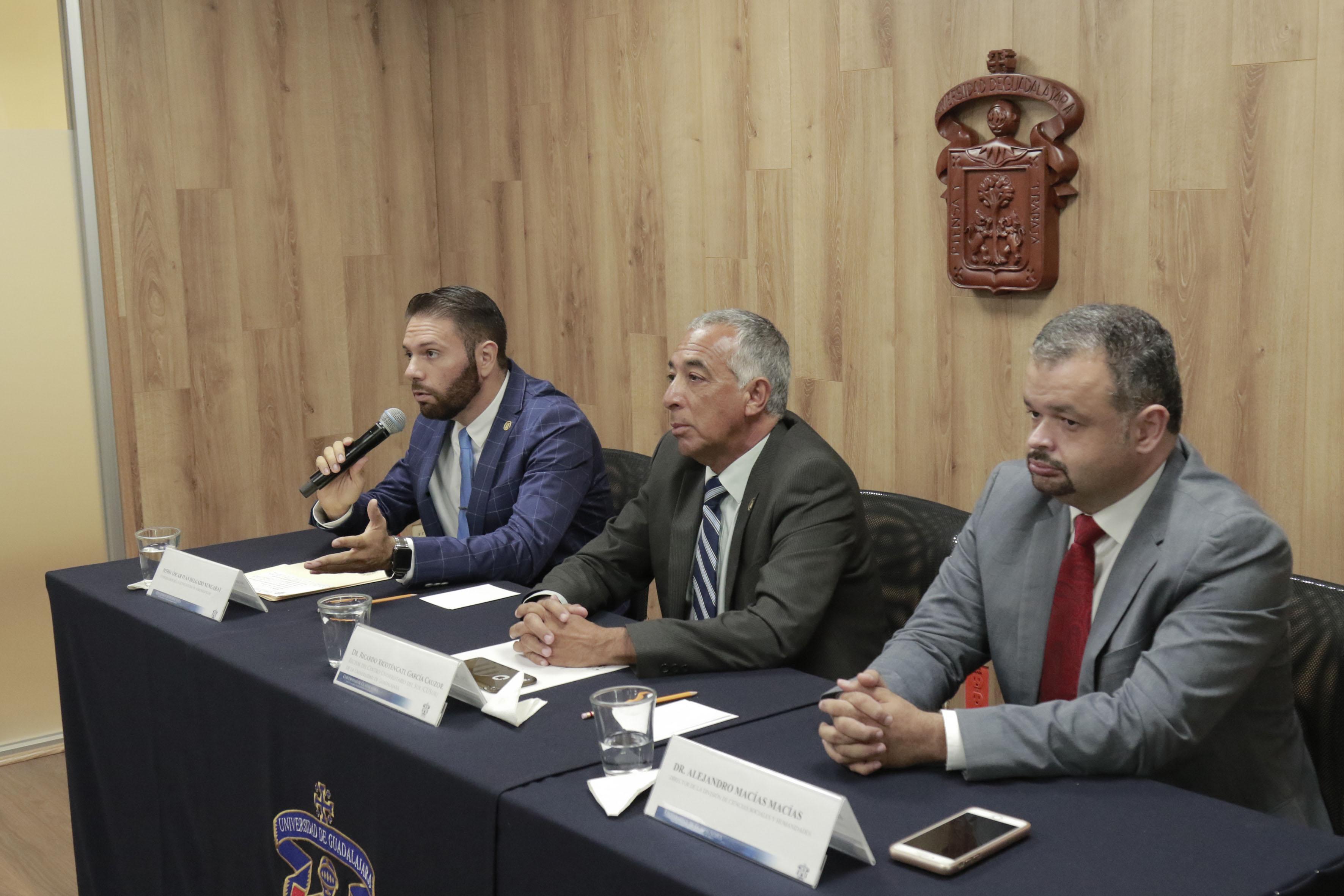 Mtro. Óscar Iván Delgado Nungaray haciendo uso de la palabra.
