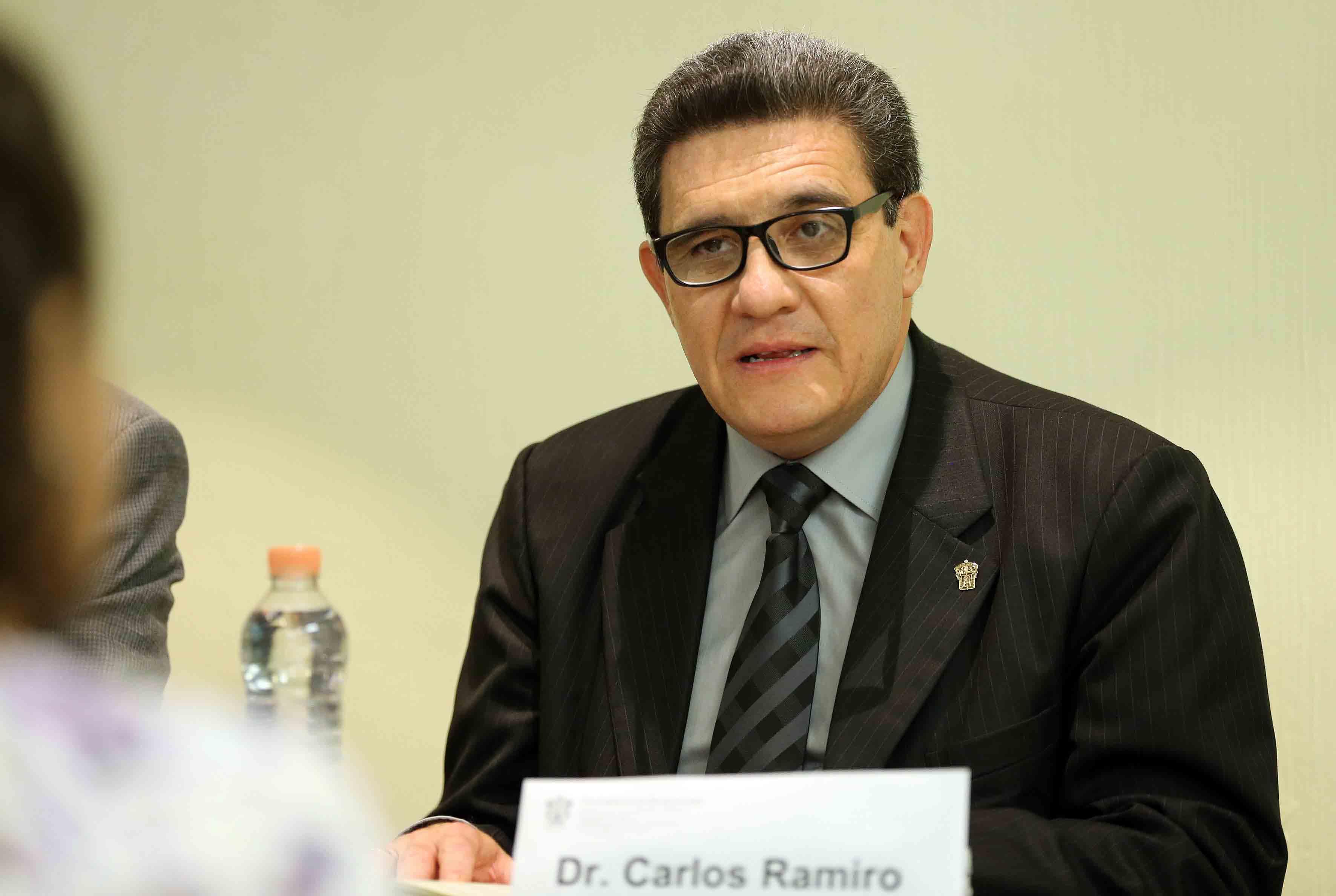 Jefe de Departamento de Disciplinas Afines al Derecho del CUCSH, doctor Carlos Ramiro Ruiz Moreno