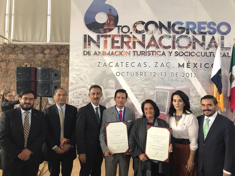 Asociación Mexicana de Centros de Enseñanza Superior en Turismo (Amestur) entregó, este jueves 12 de octubre, el Premio Nacional de Educación Turística Amestur 2017, al doctor José Luis Santana Medina, Rector del Centro Universitario de los Valles (CUValles), de la Universidad de Guadalajara (UdeG), por su trayectoria en esta disciplina.