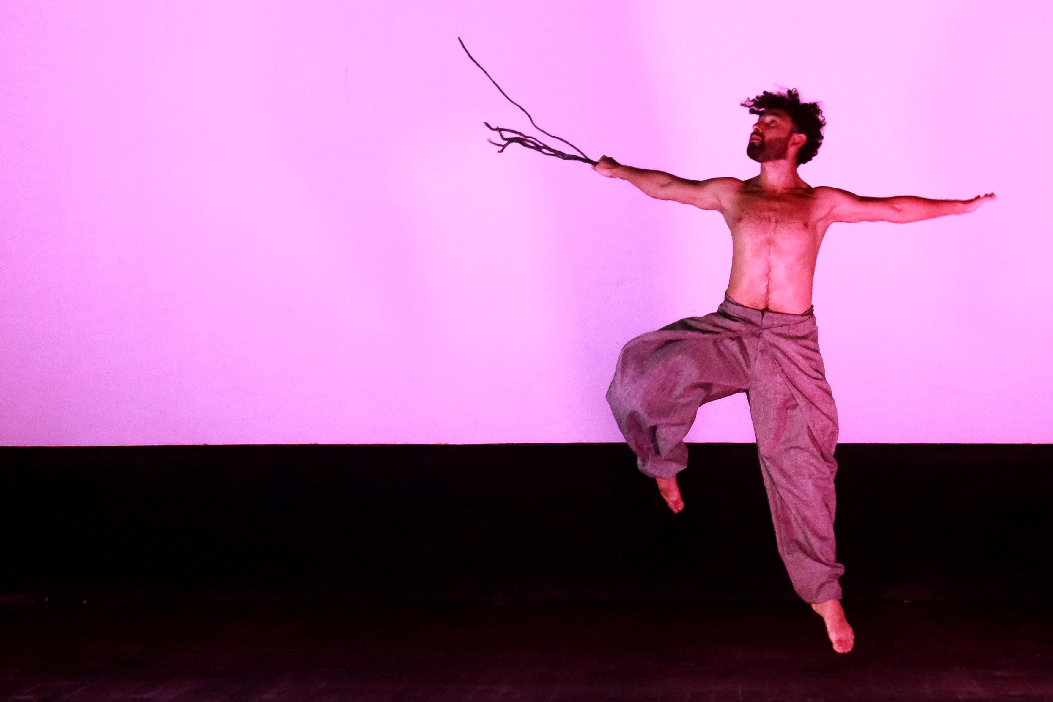 Actor del montaje coreográfico Mutare,