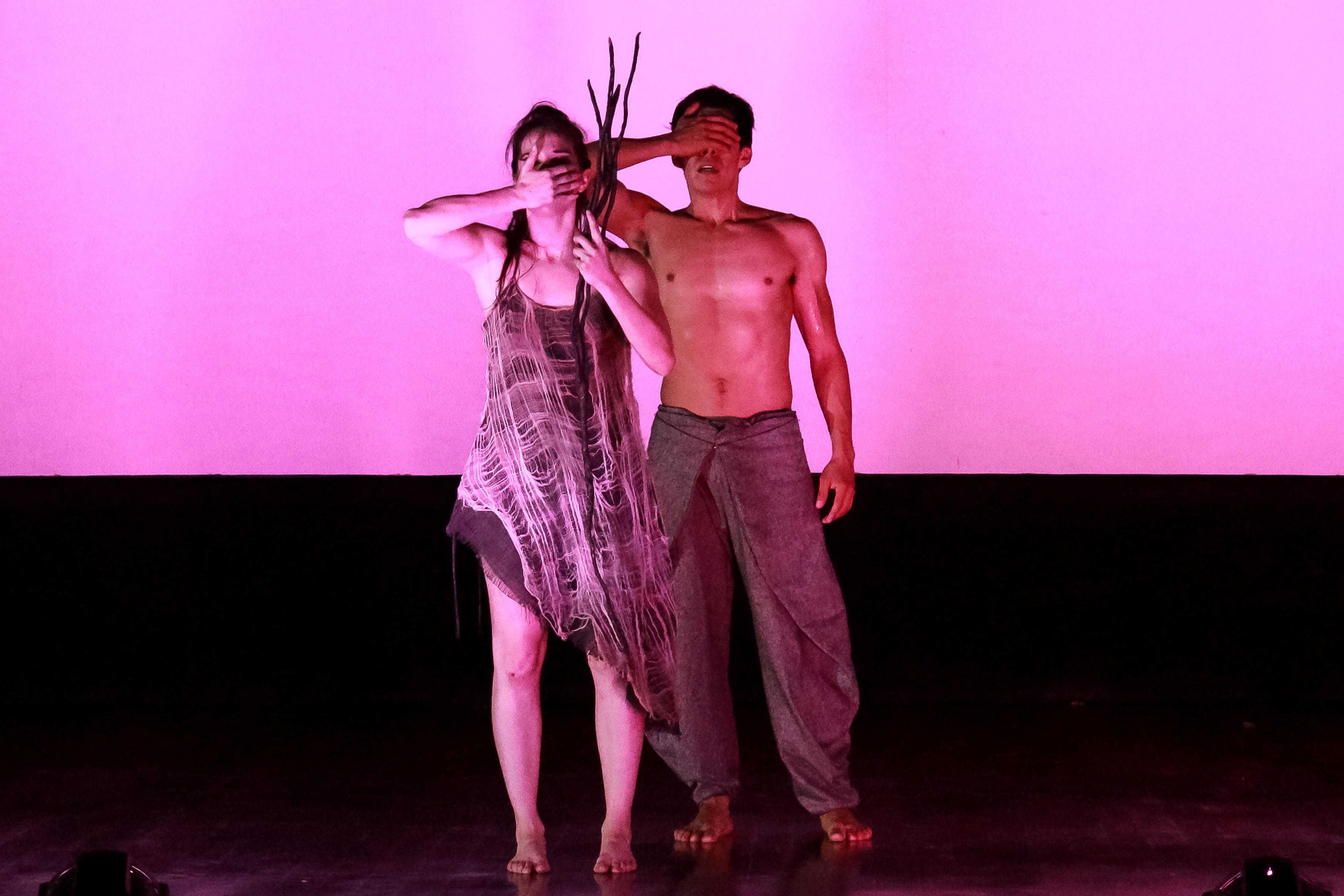 Actores del montaje coreográfico Mutare,