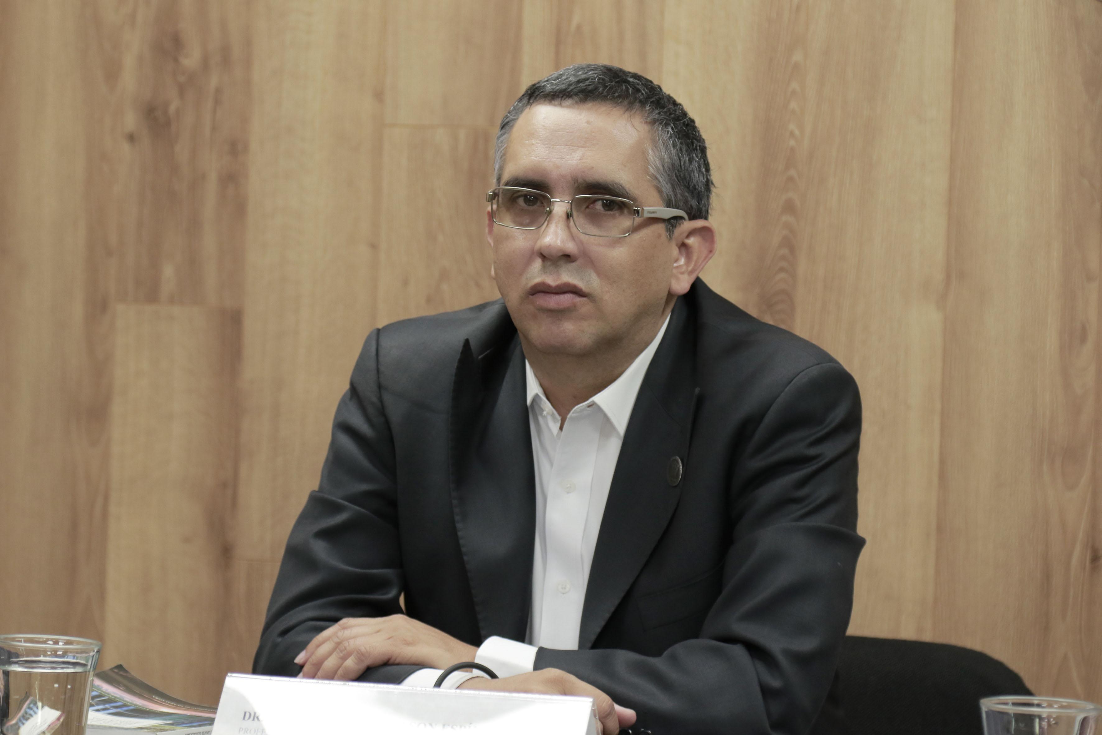 Dr. José Arturo Gleason Espíndola, investigador del Centro Universitario de Arte, Arquitectura y Diseño (CUAAD) y miembro de la Asociación Mexicana de Sistemas de Captación de Agua de Lluvia