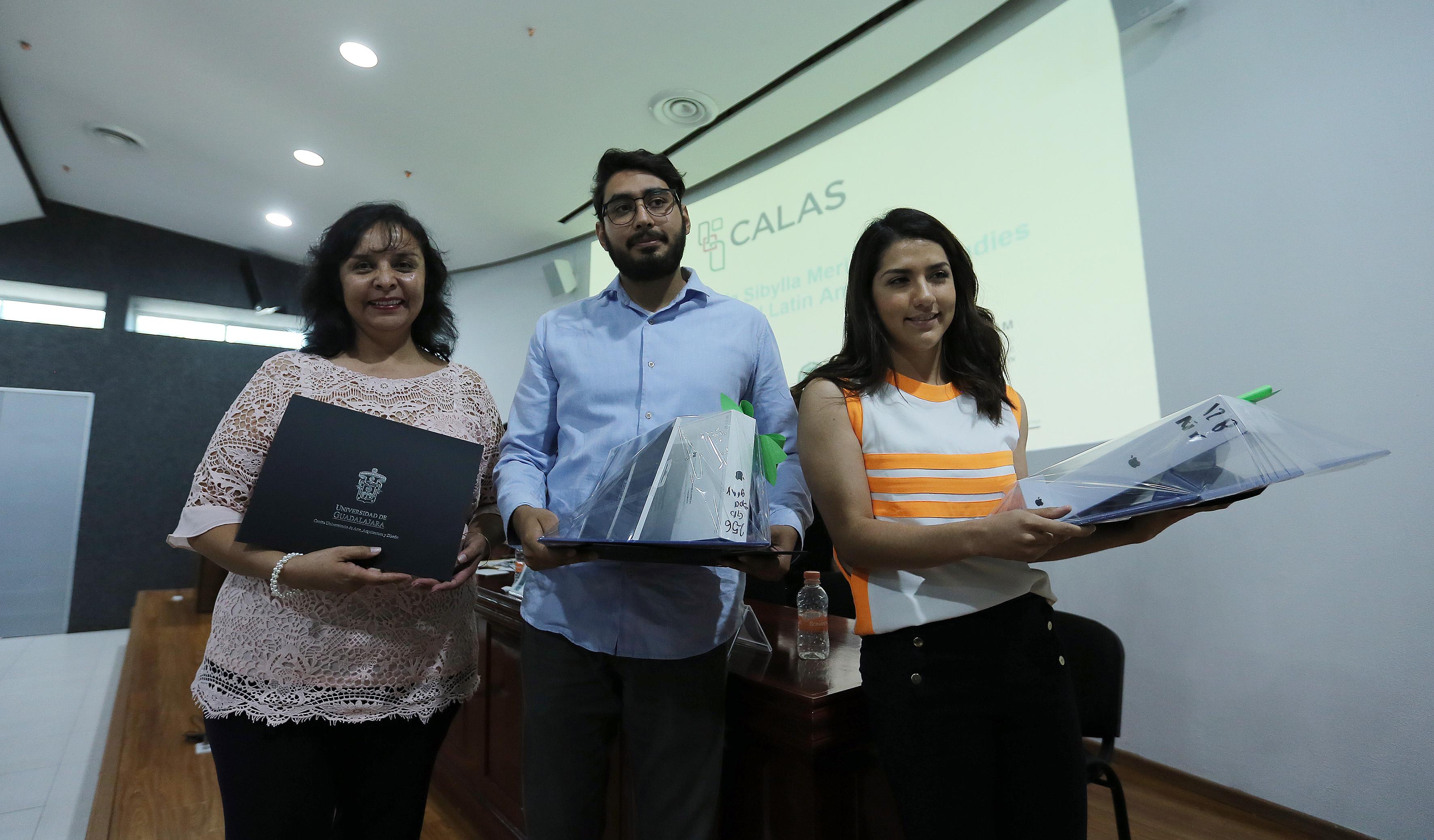 Miembros de la conferencia del Centro de Estudios Avanzados de América Latina.