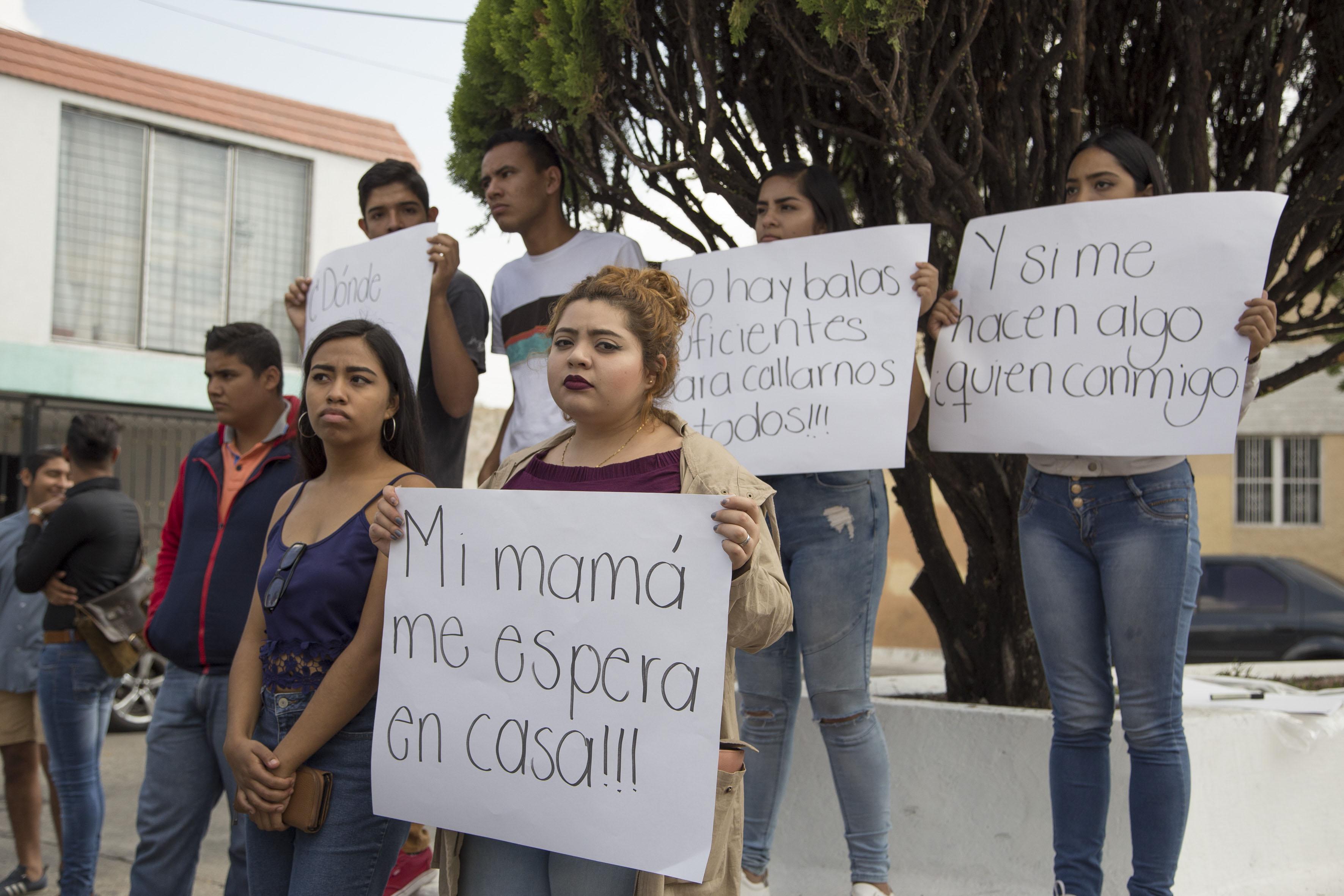 Alumnos pidiendo mas seguridad en las escuelas preparatorias