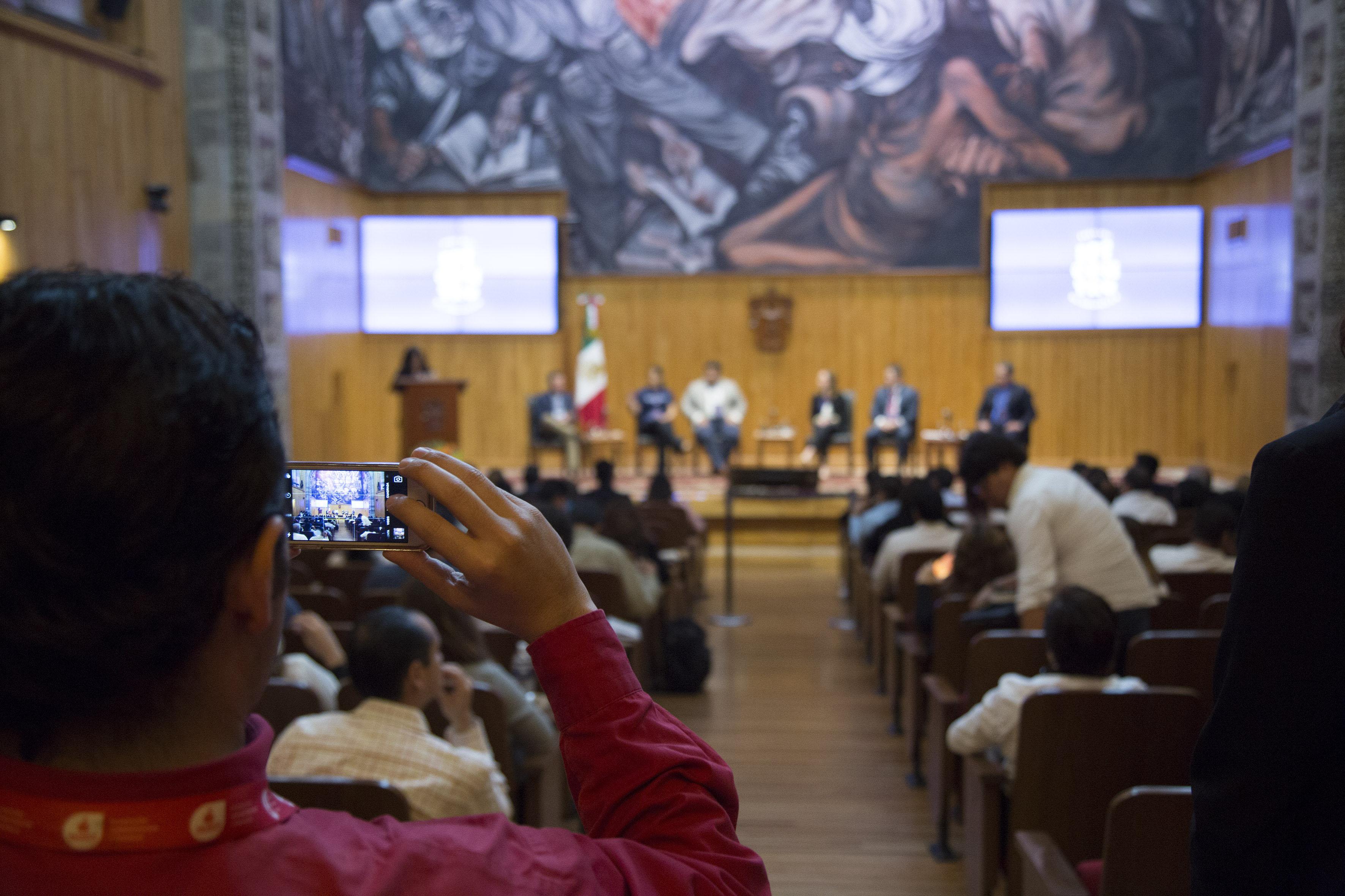 Panorama general del evento llevado a cabo en el Paraninfo Enrique Díaz de León.