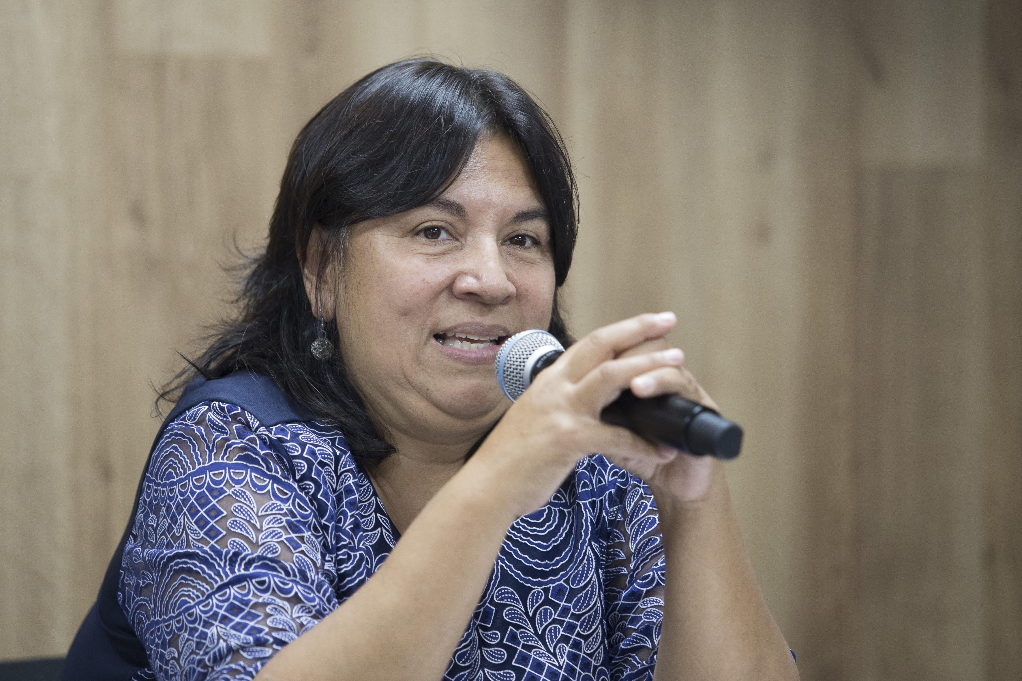 Doctora María Elena Chan Núñez, Directora del Instituto de Gestión del Conocimiento y del Aprendizaje en Ambientes Virtuales, haciendo uso de la palabra.