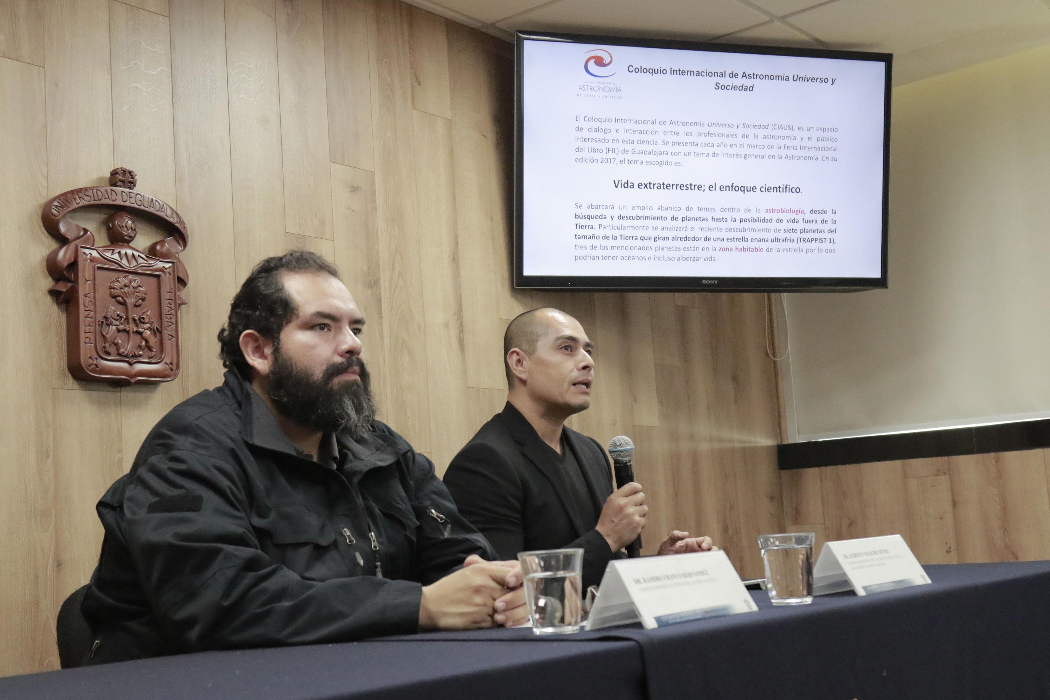 Rueda de prensa para anunciar el  III Coloquio Internacional de Astronomía y Sociedad en la FIL