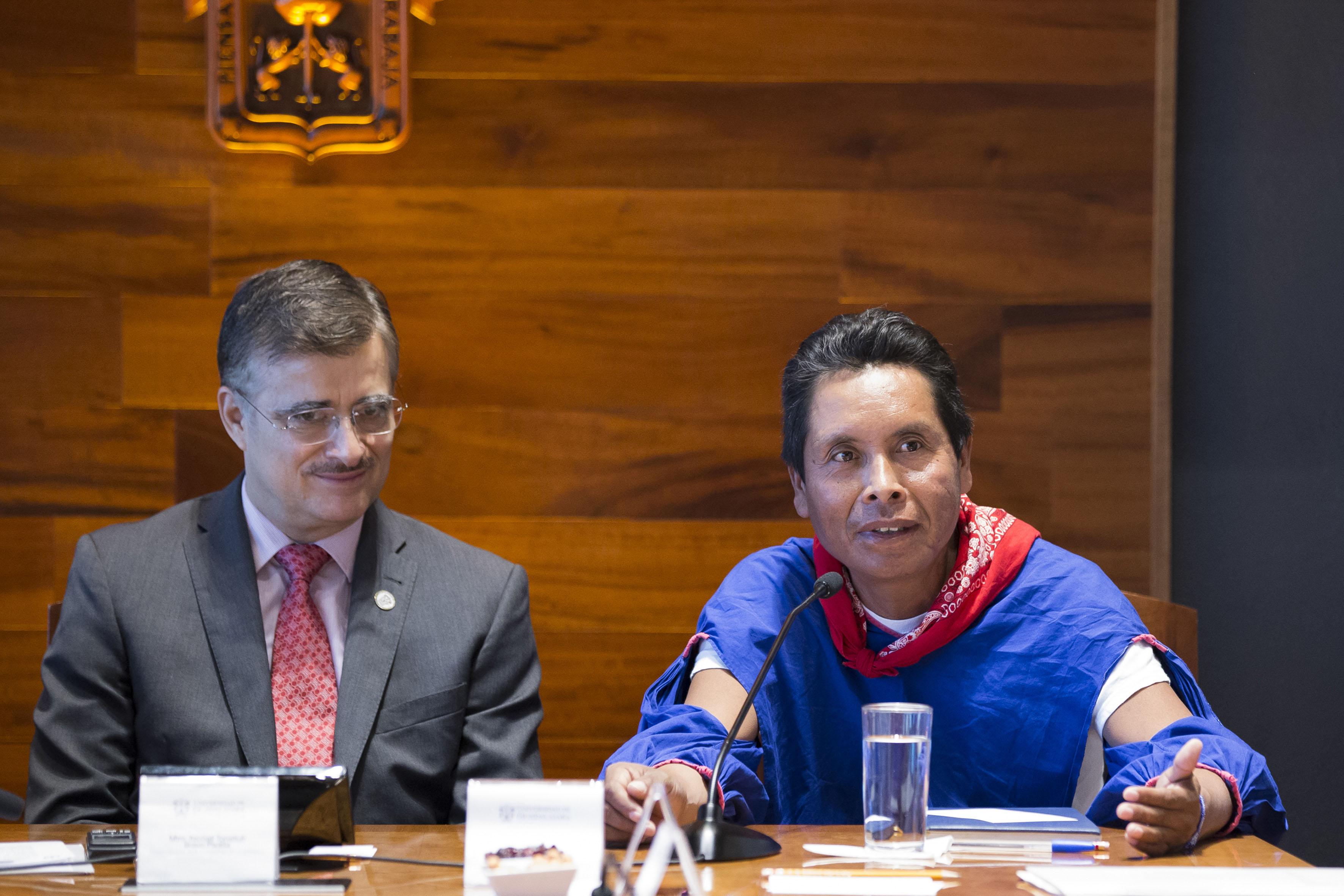 Miembro de la comunidad de Santa Catarina, haciendo uso de la palabra
