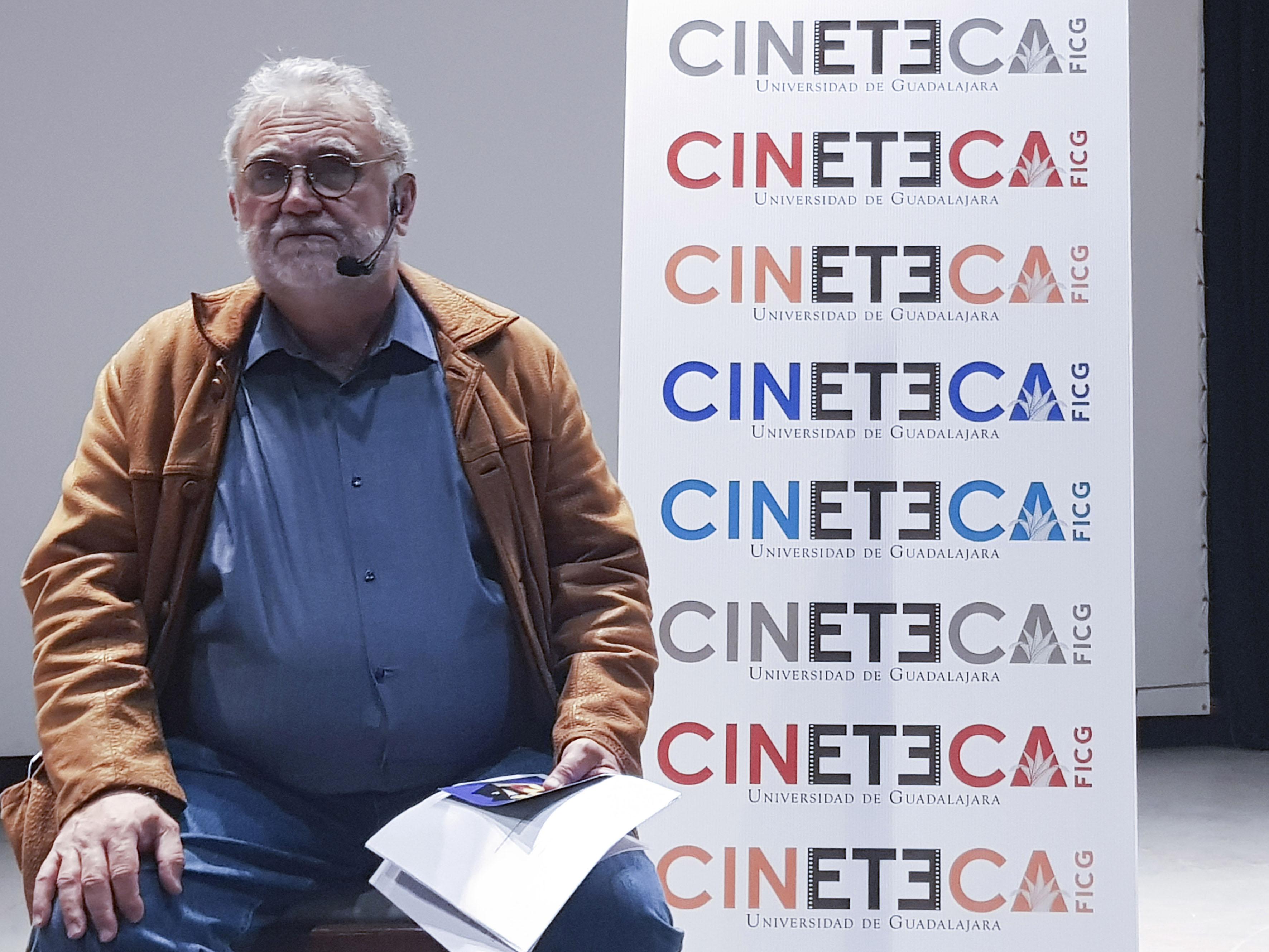 Director, biólogo Iván Trujillo Bolio, haciendo uso de la palabra