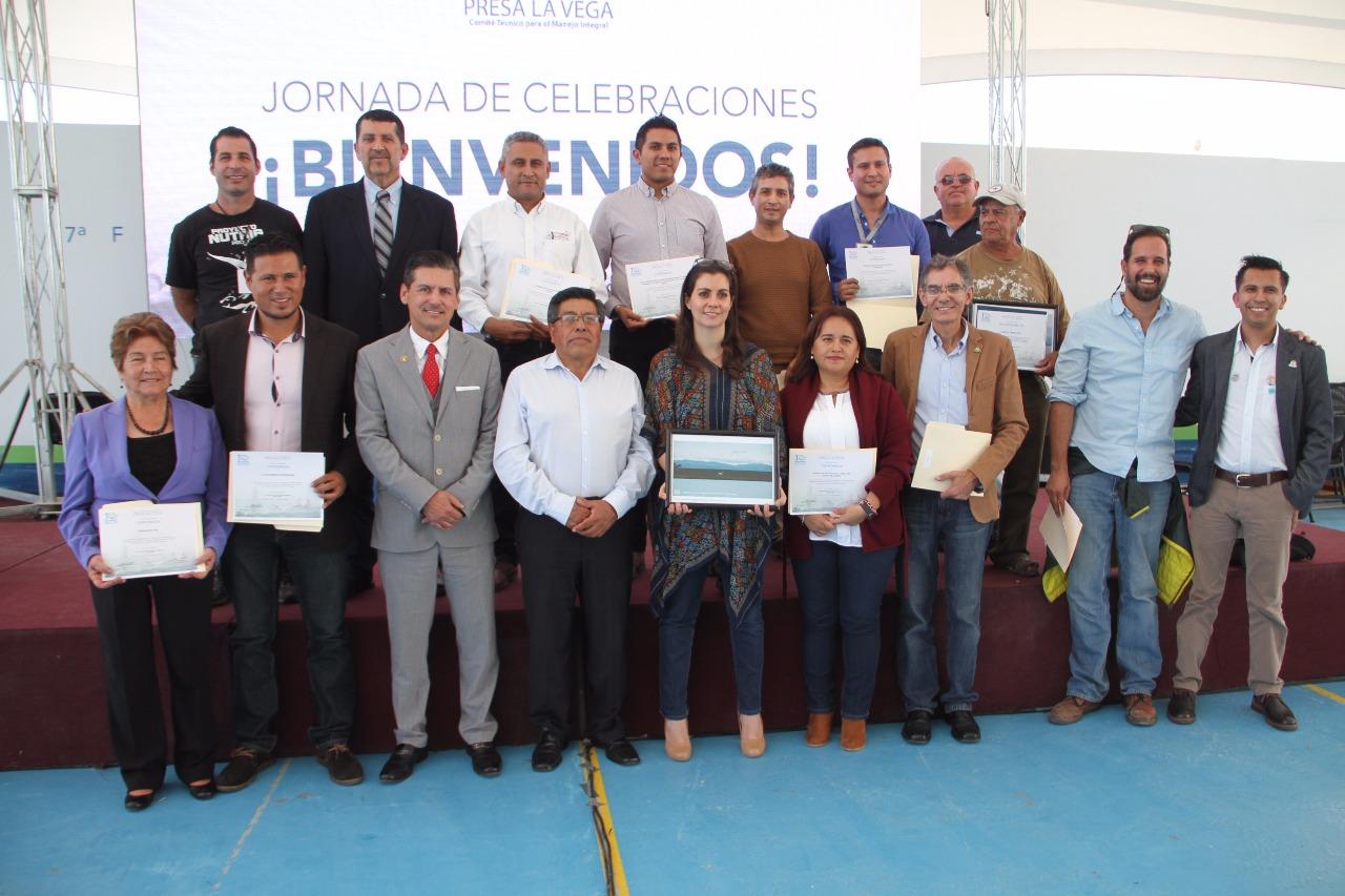 Rector del Centro Universitario de los Valles (CUValles), José Luis Santana Medina y Miembros del comité técnico