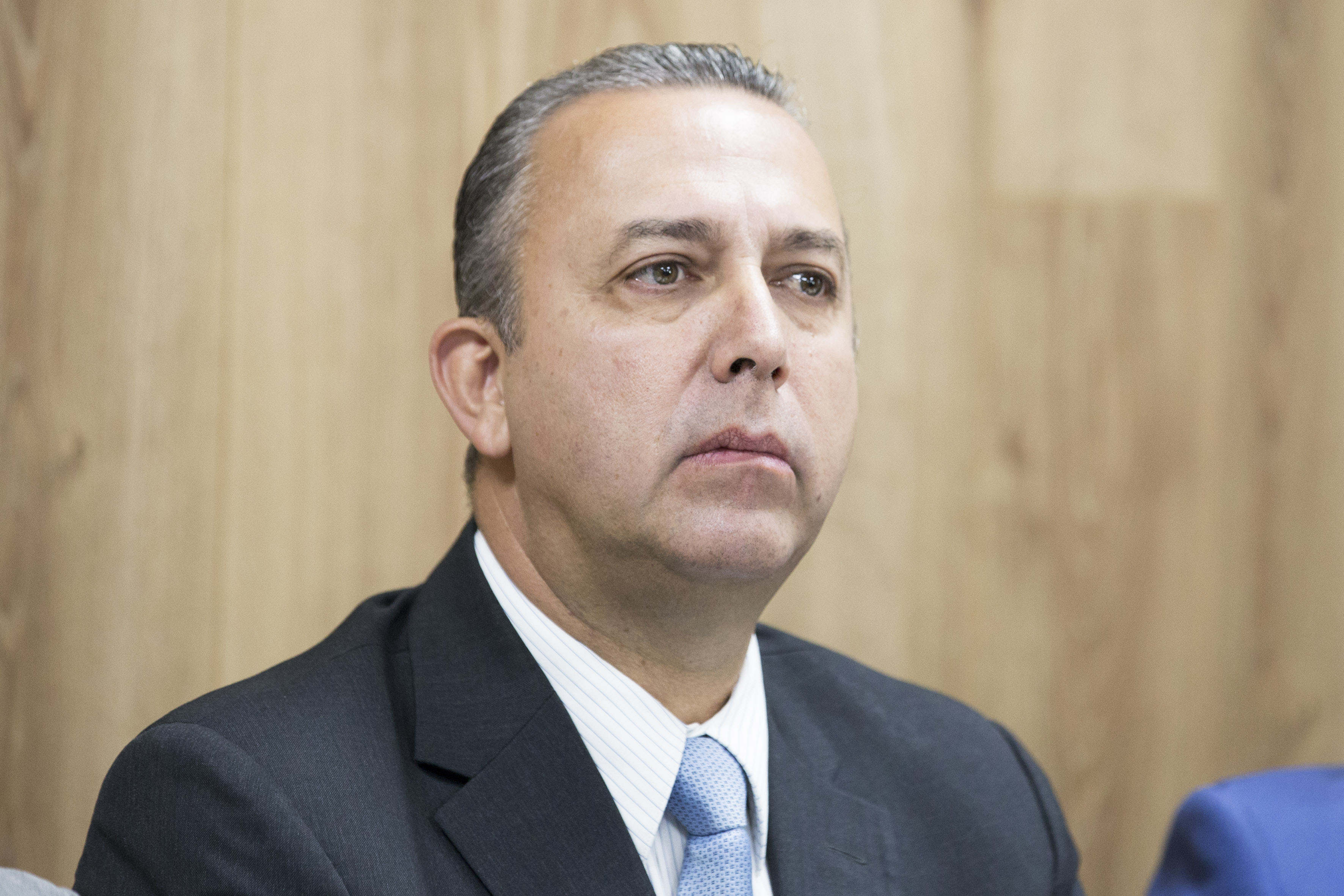 Dr. Francisco Preciado Figueroa participando en rueda de prensa