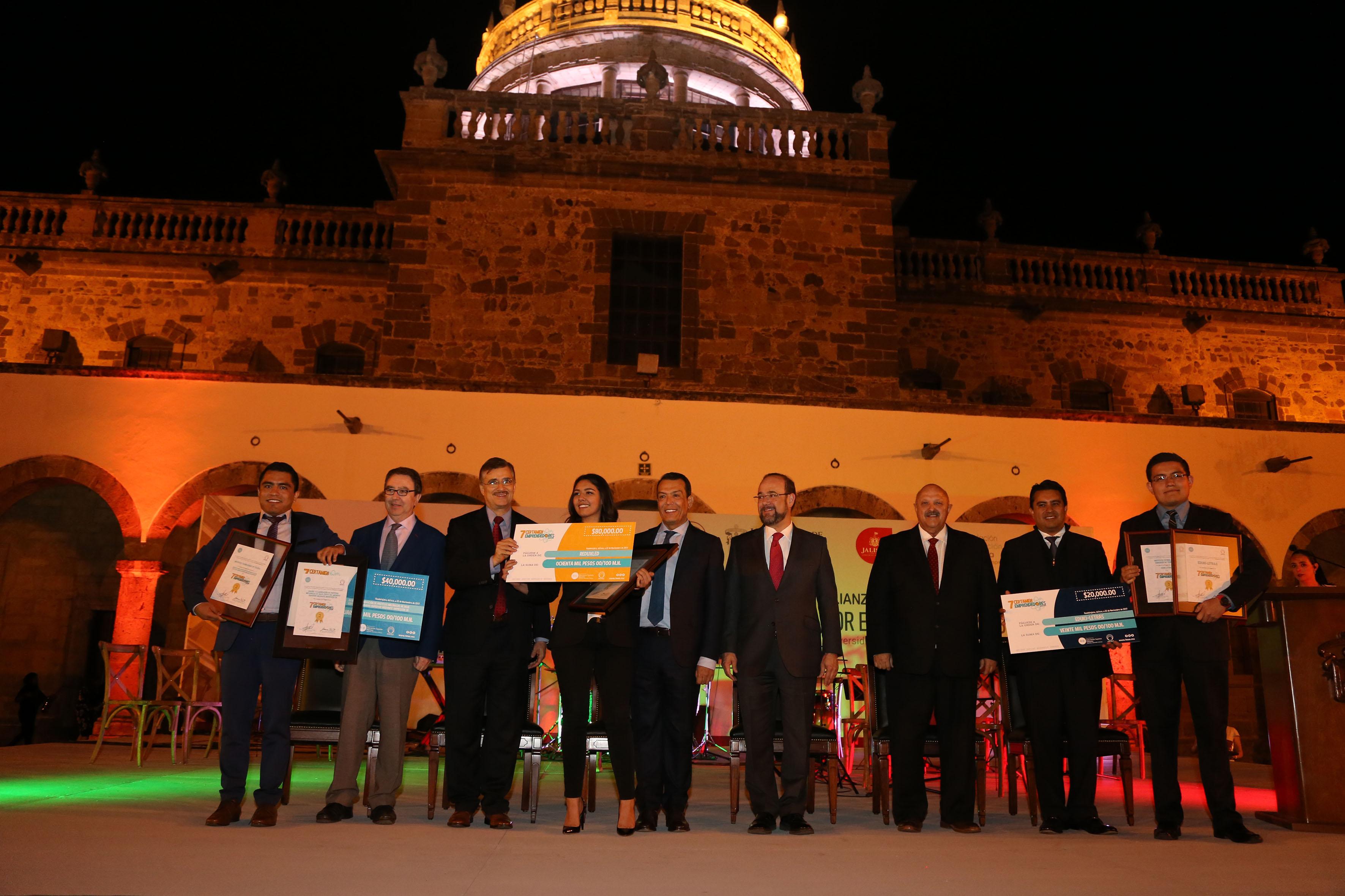 Sesión Ordinaria de la Asociación Nacional de Universidades e Instituciones de Educación Superior (ANUIES), con sede en la Universidad de Guadalajara (UdeG), autoridades realizaron la entrega de reconocimientos a funcionarios y académicos destacados
