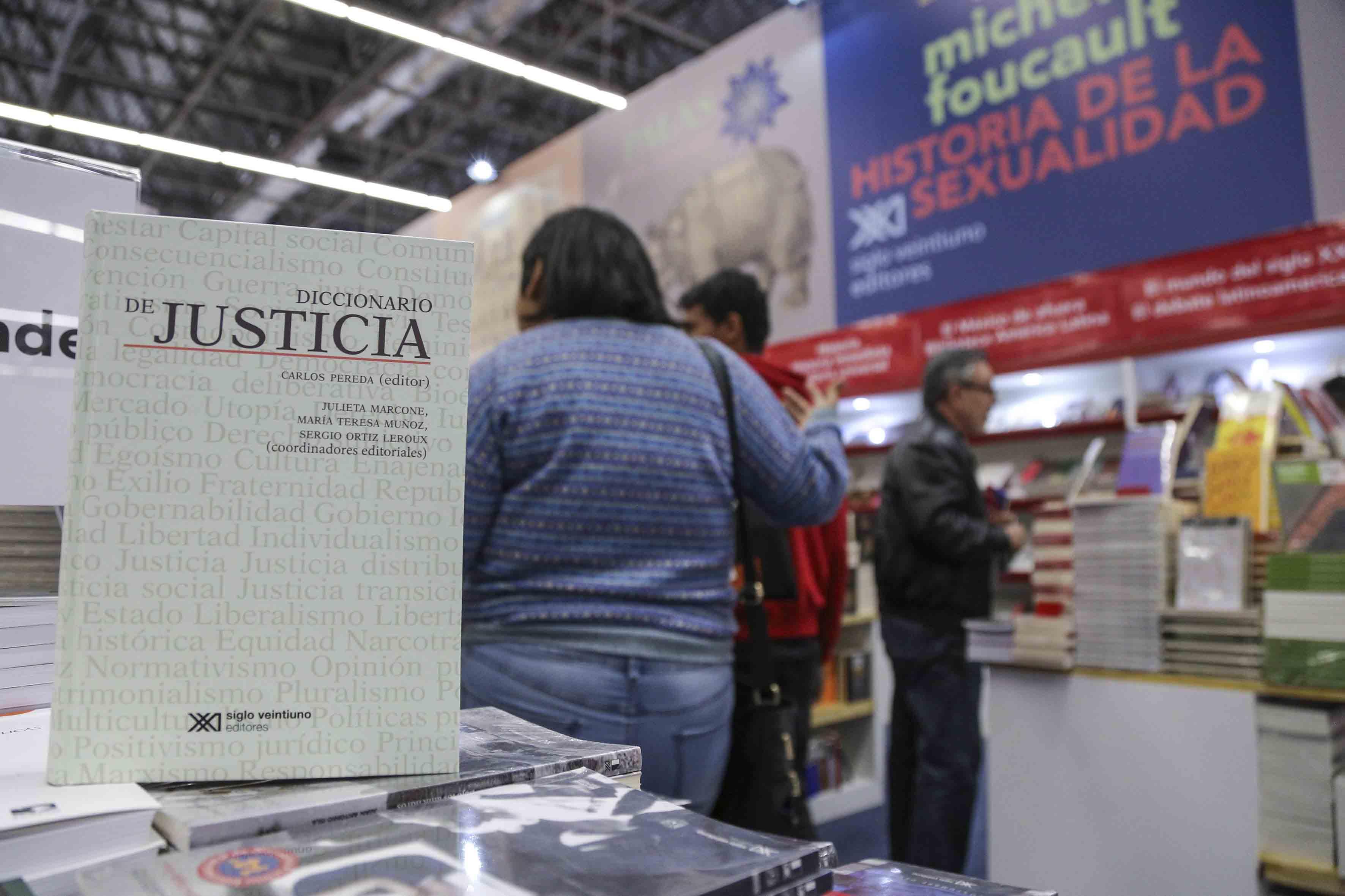 Portada del Diccionario de justicia, presentado en la FIL 2017