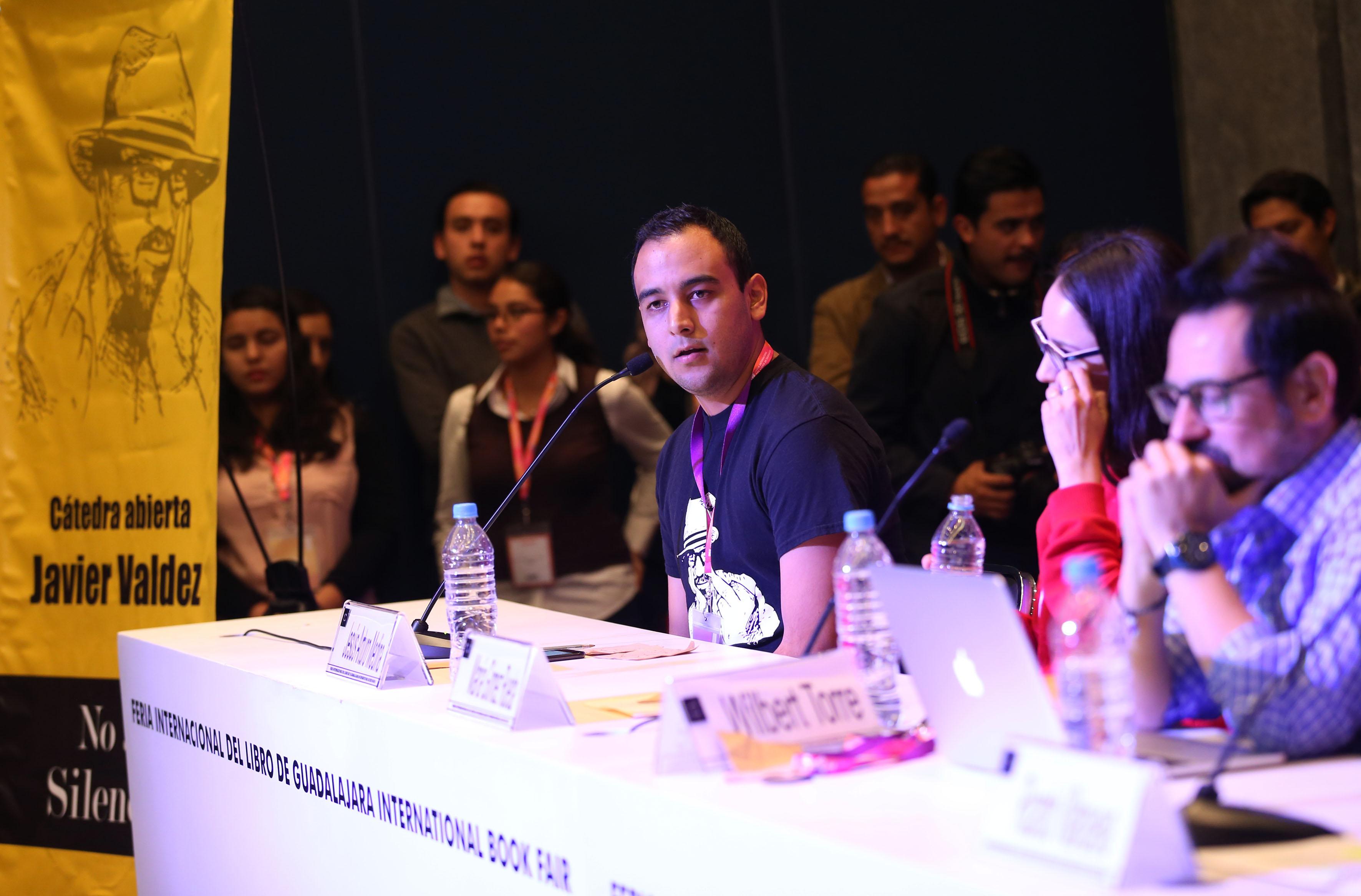 Presidente de la FEU, Jesús Medina Varela, haciendo uso de la palabra, durante Cátedra.