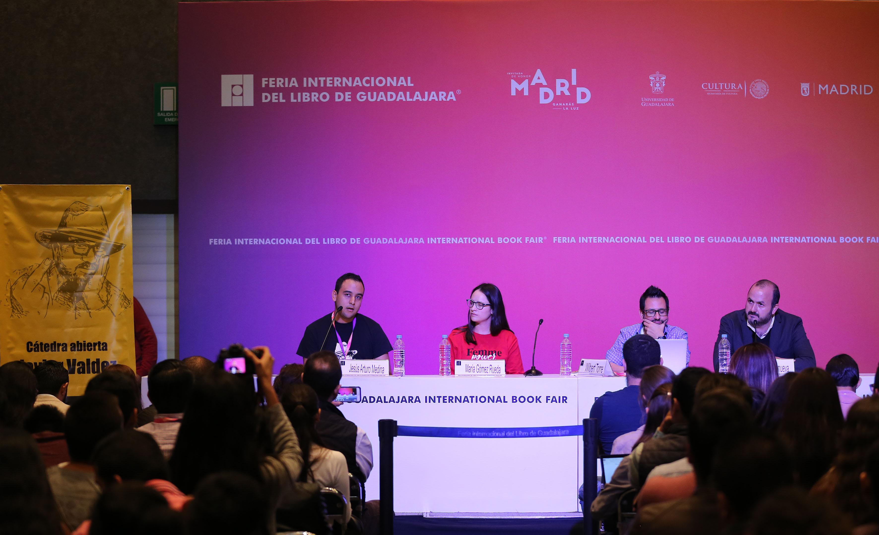 Presidente de la FEU, Jesús Medina Varela, haciendo uso de la palabra, durante Cátedra Abierta que reconoce a periodistas caídos en este sexenio.
