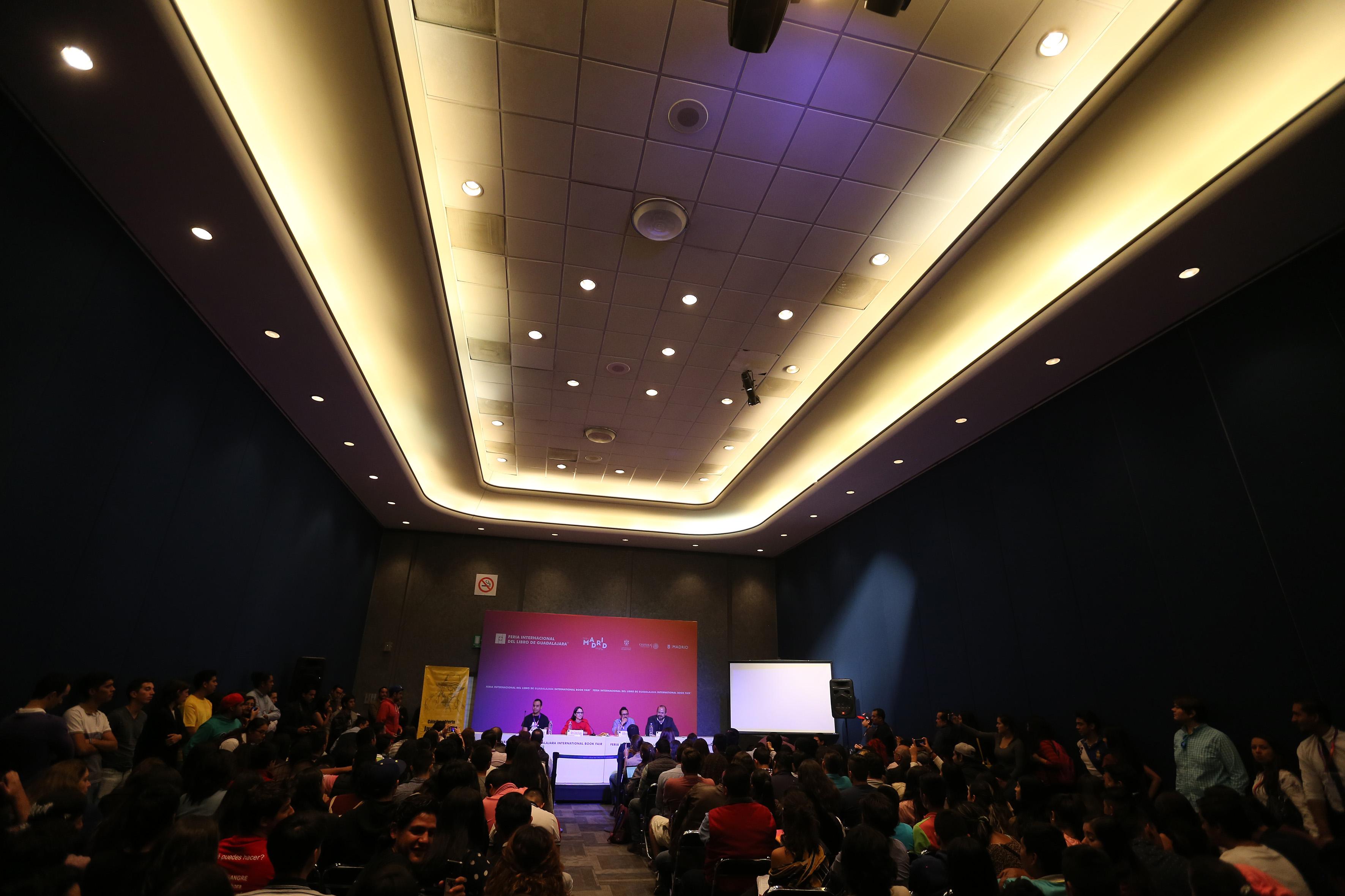 Vista panorámica de la cátedrá celebrada en instalacciones de Expo Guadalajara, durante la 31 Feria Internacional del Libro (FIL).